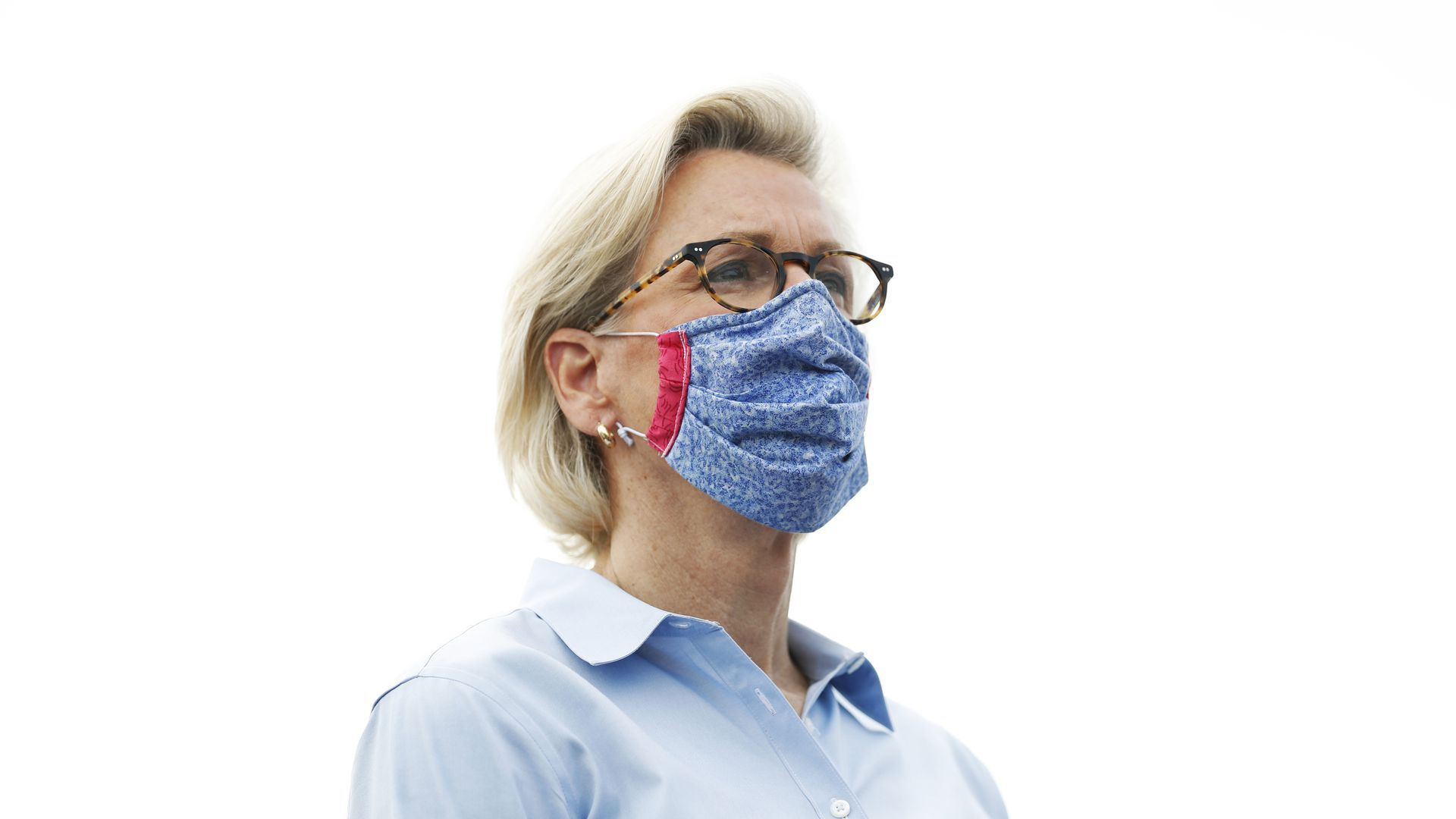 Tampa Mayor Jane Castor wearing a mask