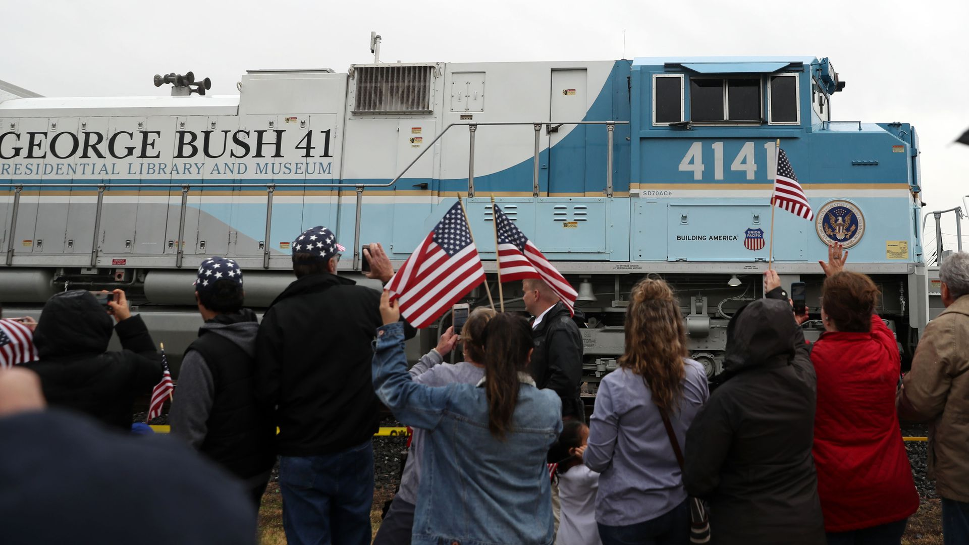 Train painted like Air Force One for George H.W. Bush's funeral
