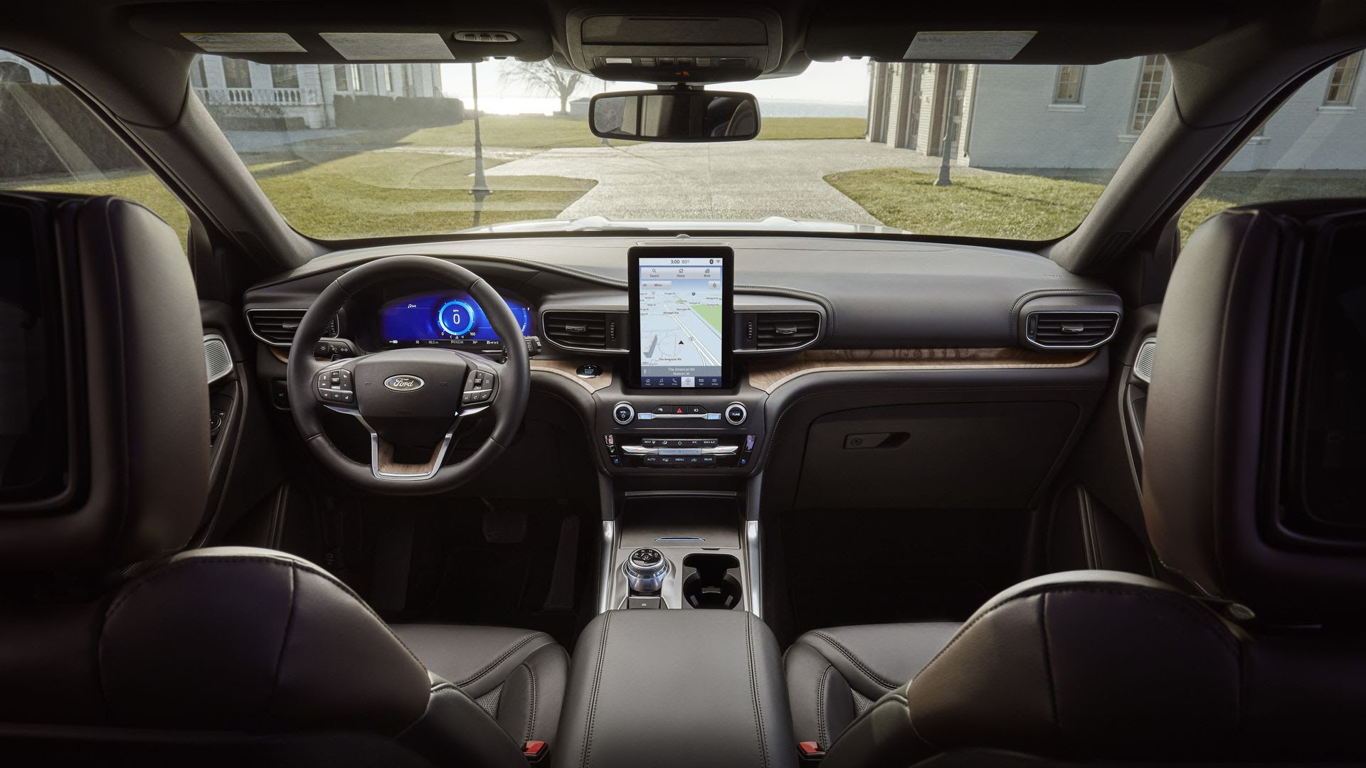 A photo of the inside of the 2020 Ford Explorer, which has a touch screen pad.