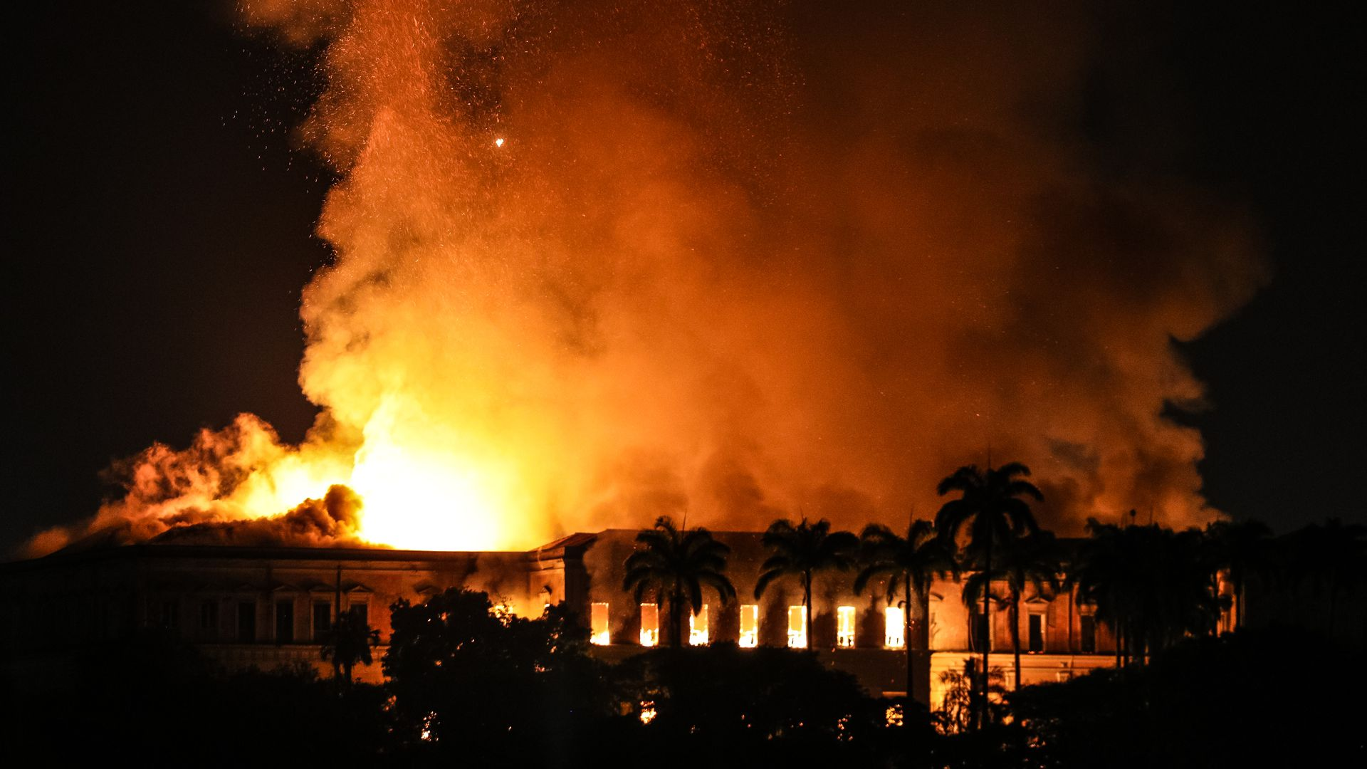 Fire at the National Museum of Brazil in Rio de Janeiro. Photo: Buda Mendes/Getty Images