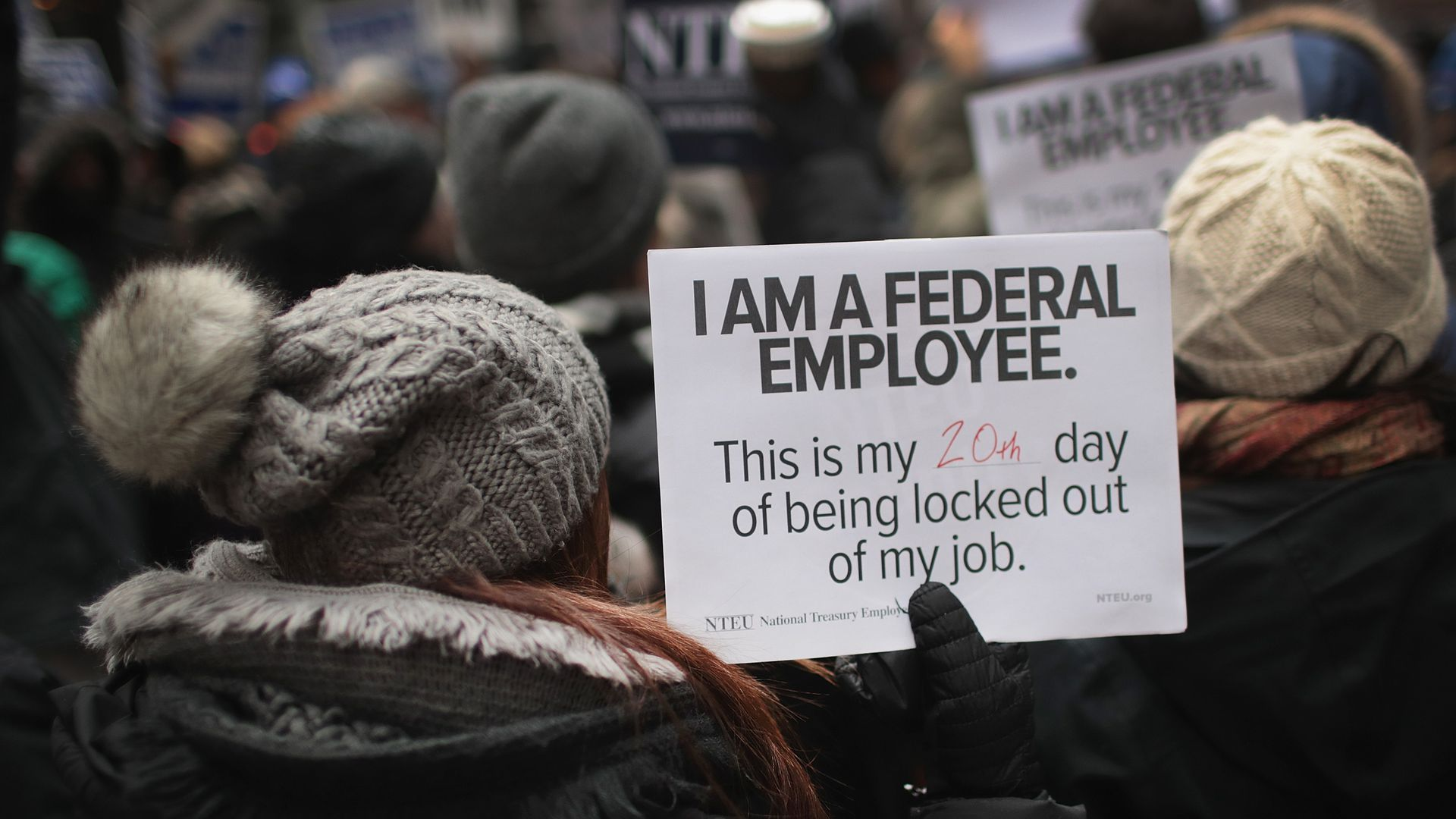 I am a federal employee, this is my 20th day of being locked out of my job sign.
