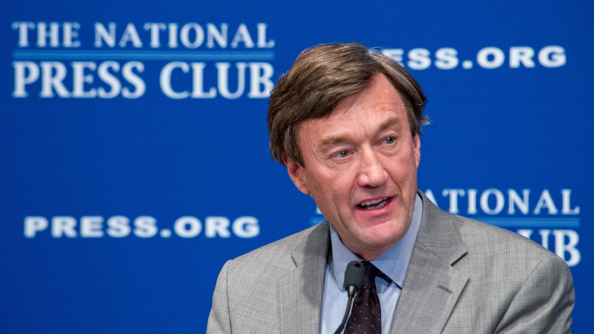 Mayo Clinic CEO John Noseworthy speaks at an event.