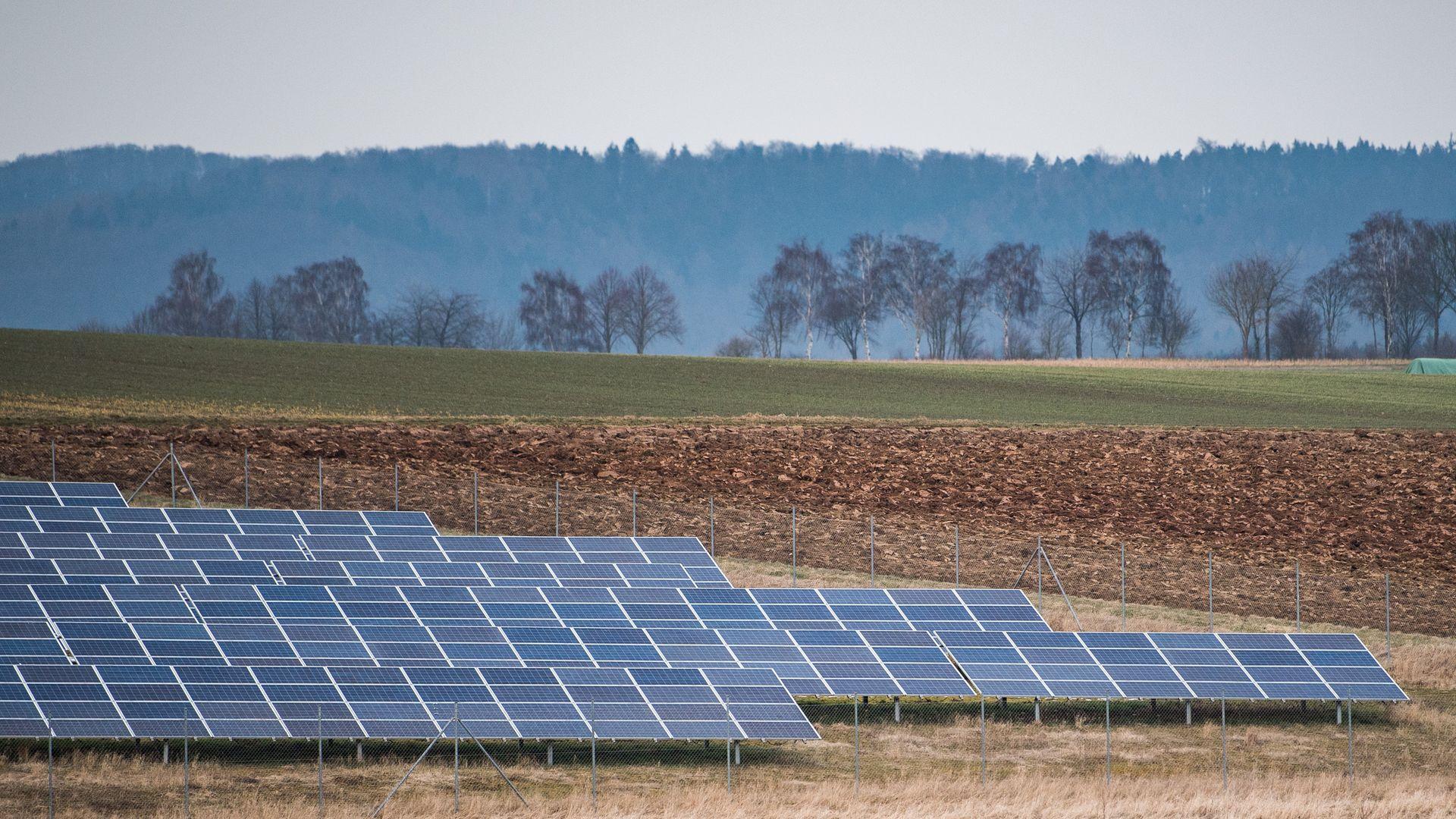 Congress rebuffs Trump on green energy cutbacks - Axios