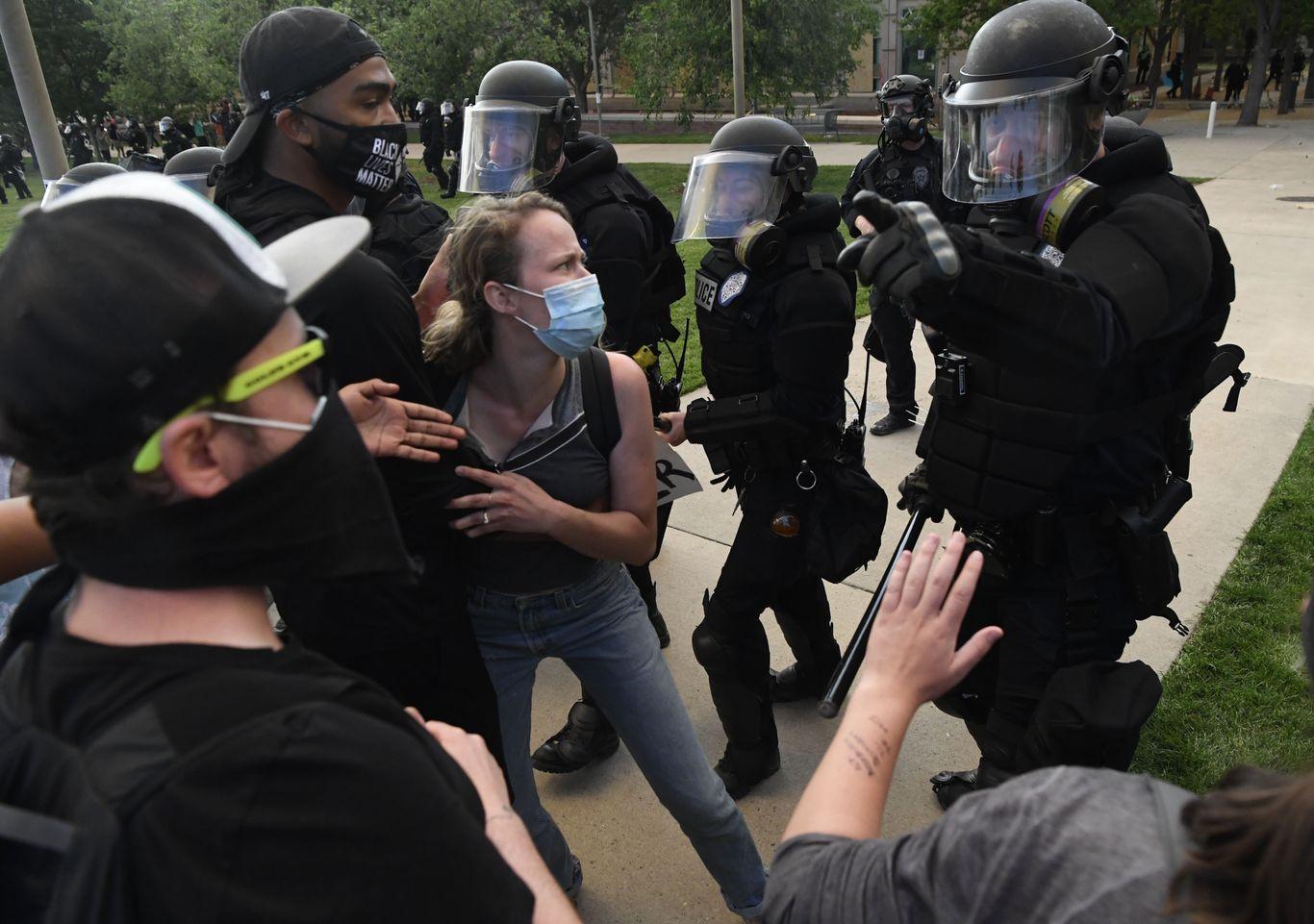 Big enterprise plunges into police reform thumbnail