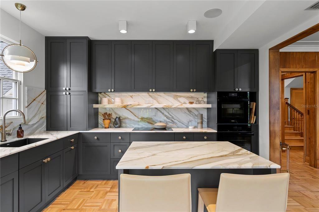 716 14th Ave NE kitchen
