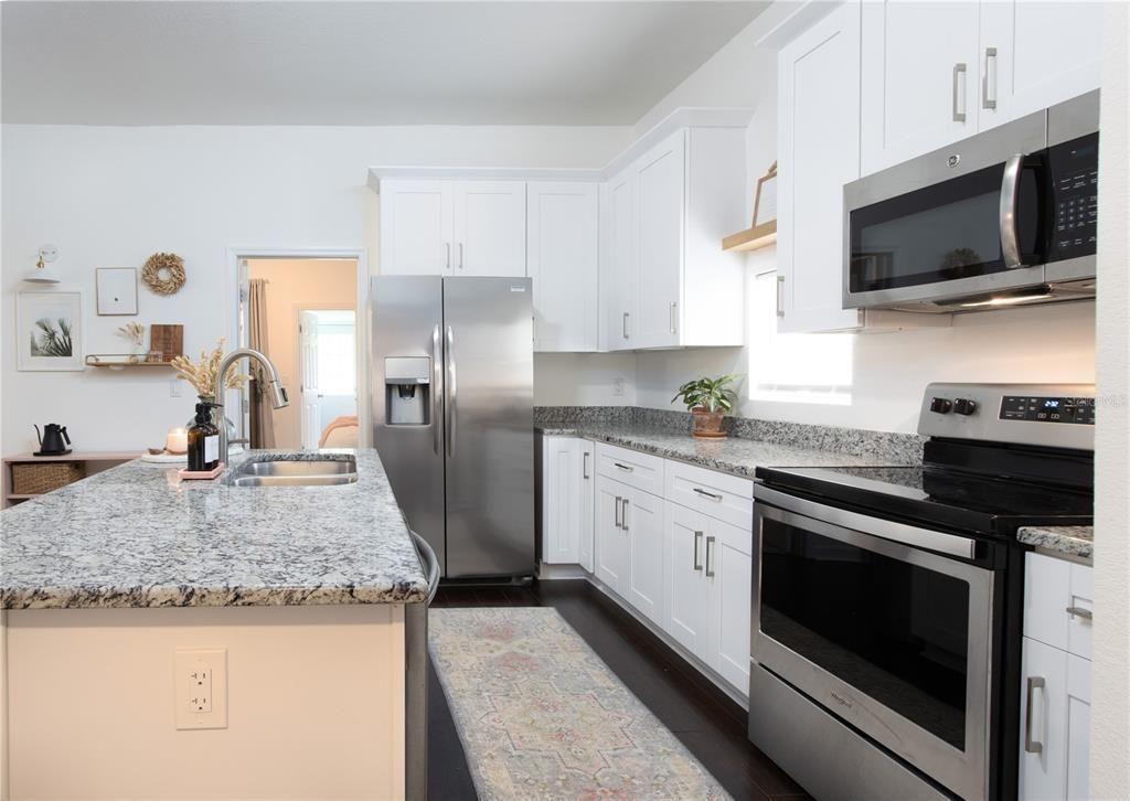 7309 S Juanita St, kitchen
