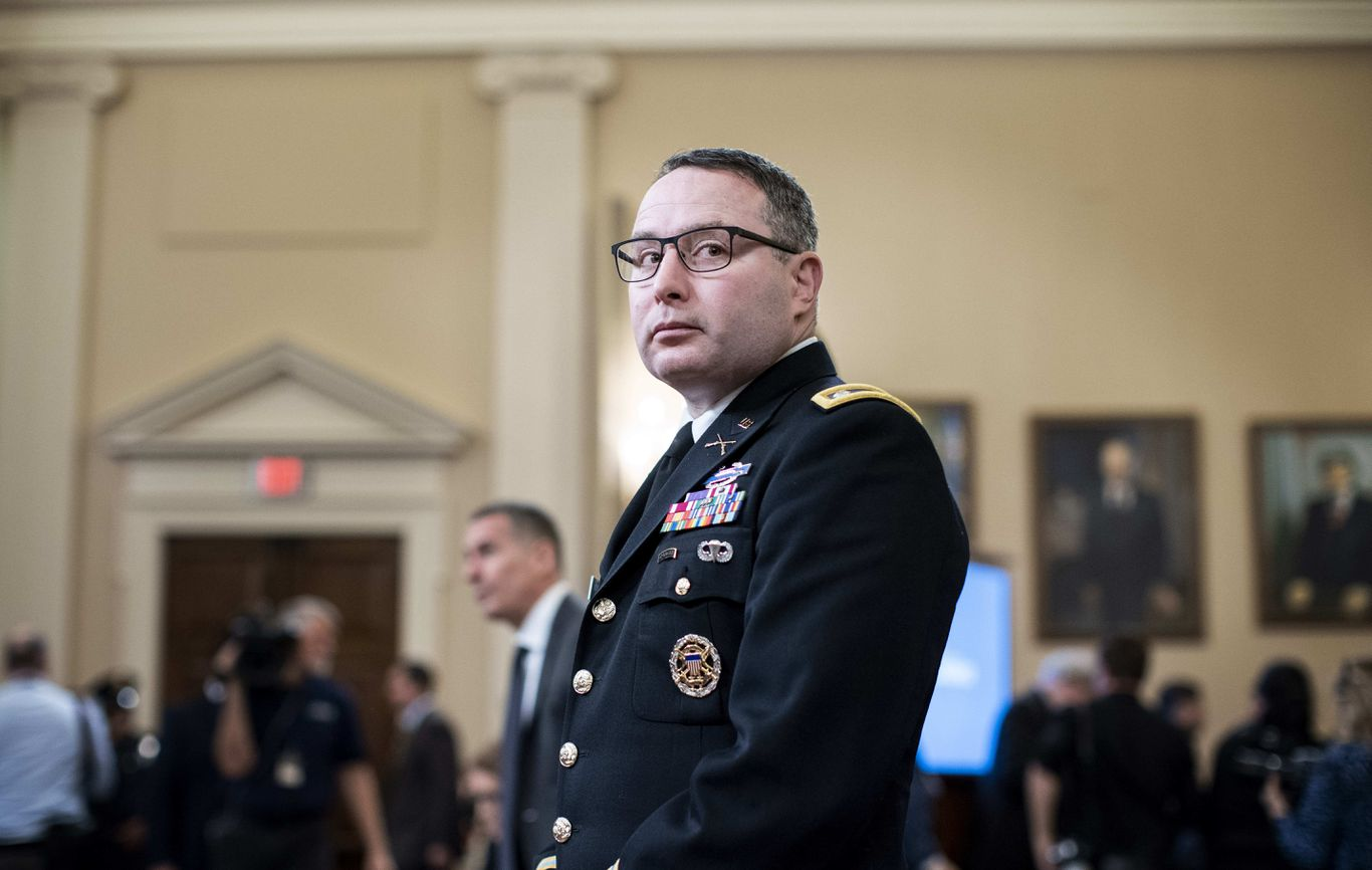 Duckworth to halt 1,100 military promotions if Pentagon retaliates against Vindman