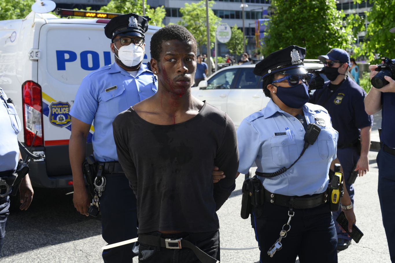 Millions are donated to bail out arrested George Floyd protesters thumbnail