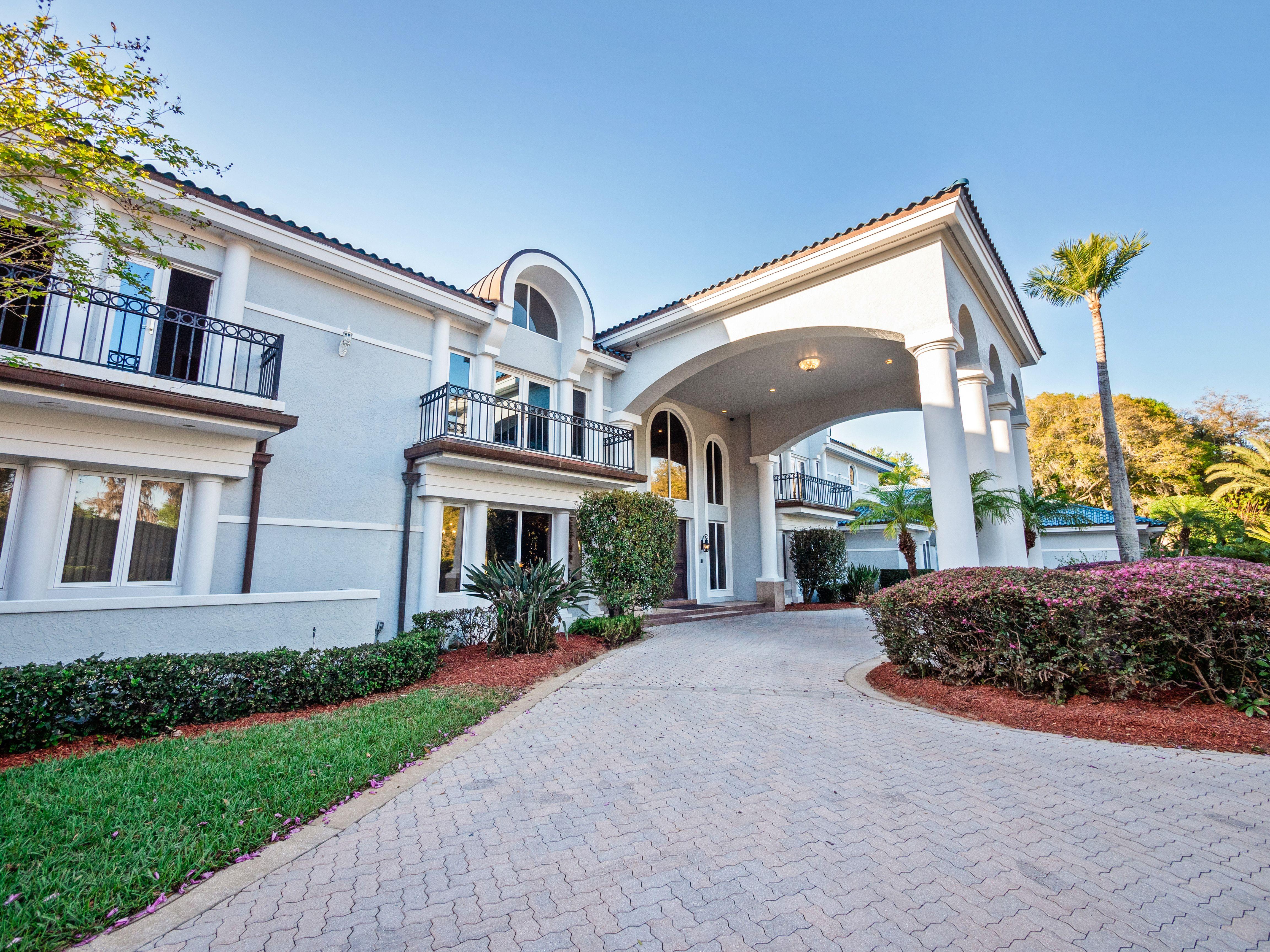 Shaq's Florida estate exterior
