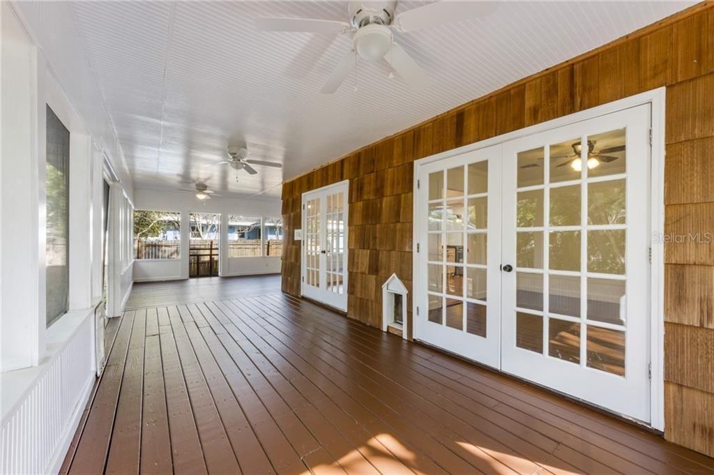 2502 15th Ave W porch