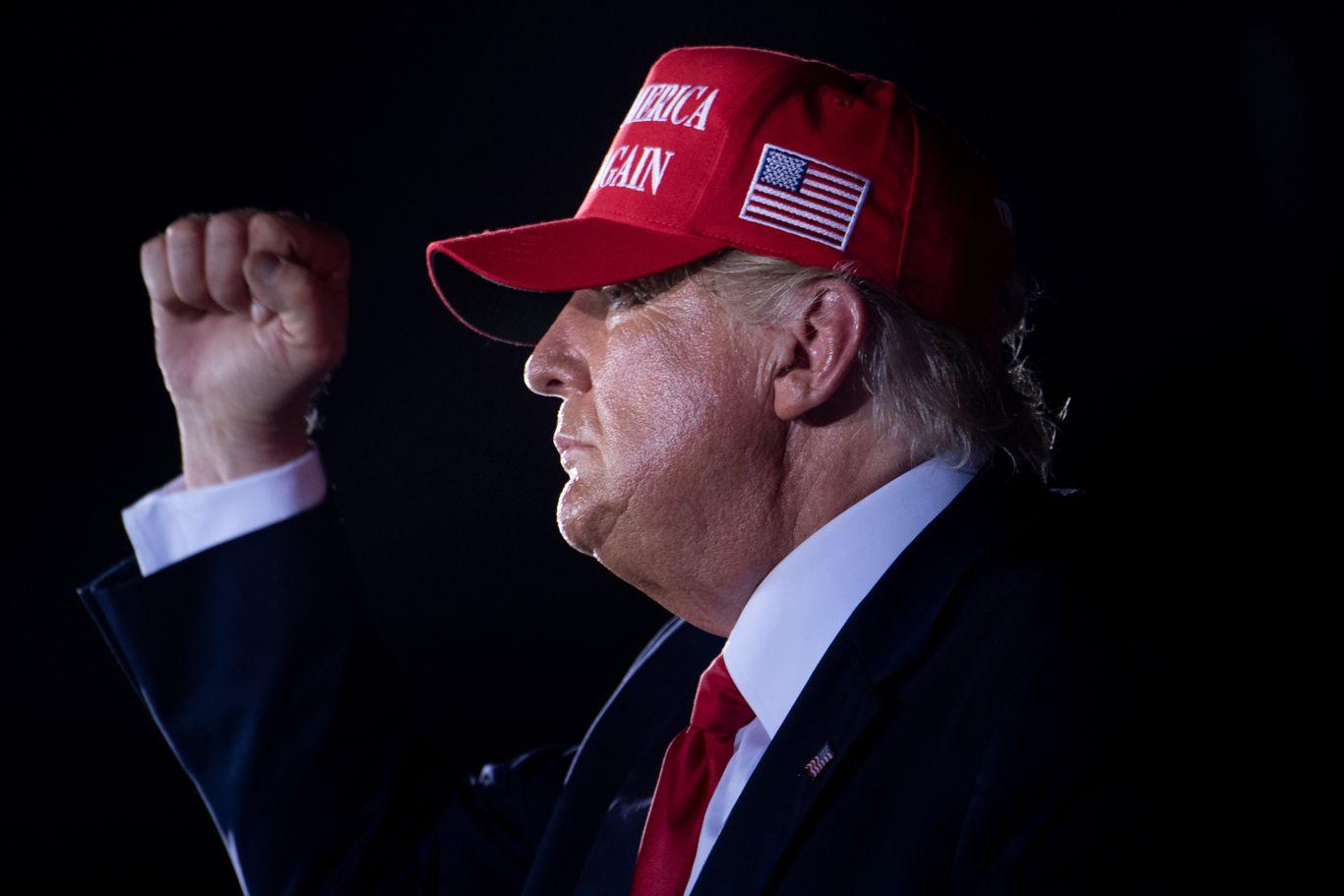 Scoop: Trump privately discussing 2024 run