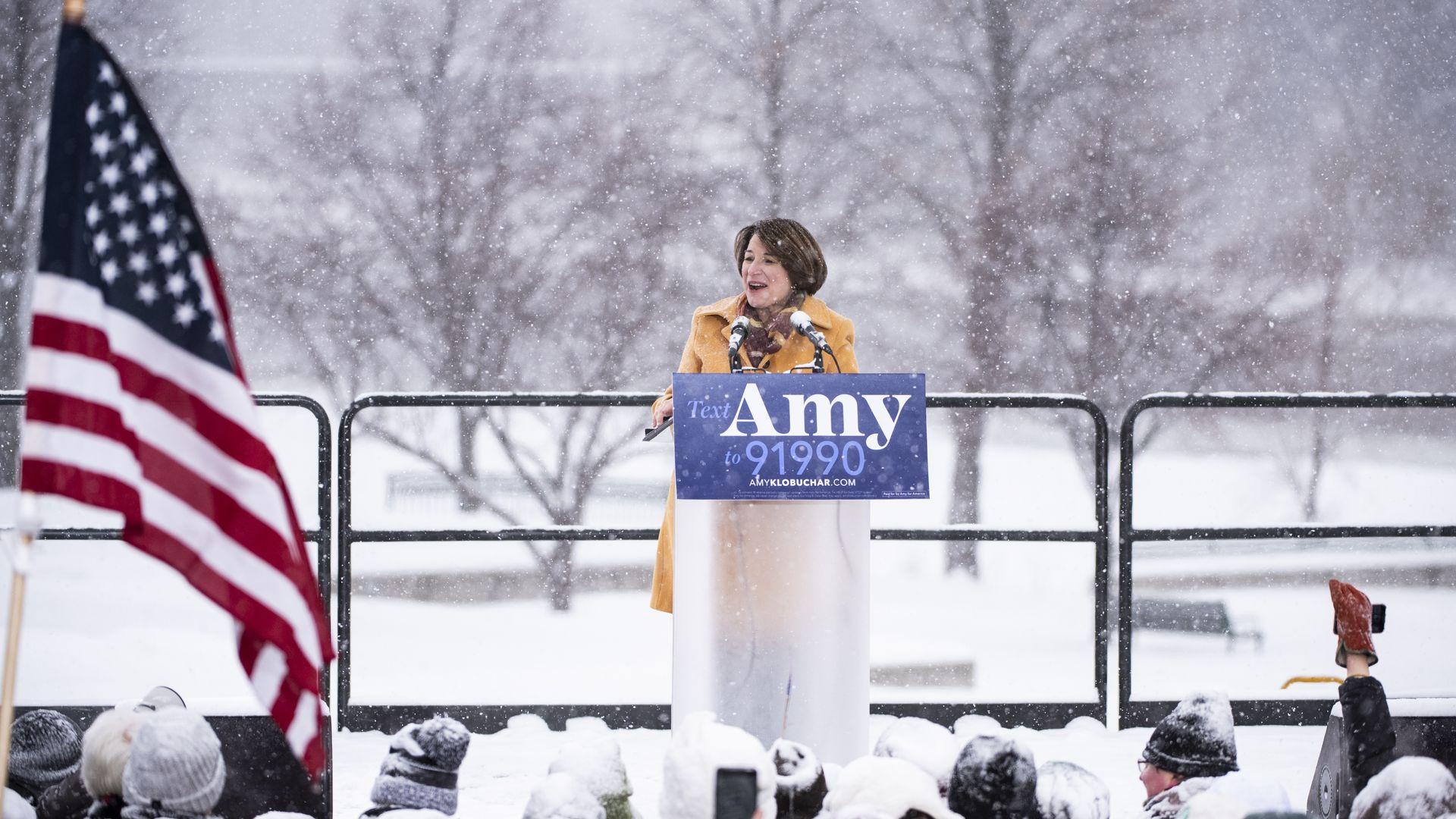 Amy Klobuchar announces her presidential bid