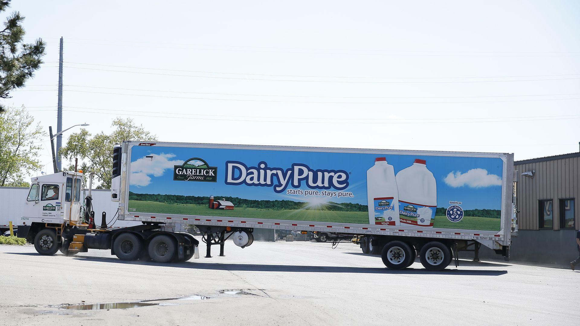 Dairy Pure milk truck