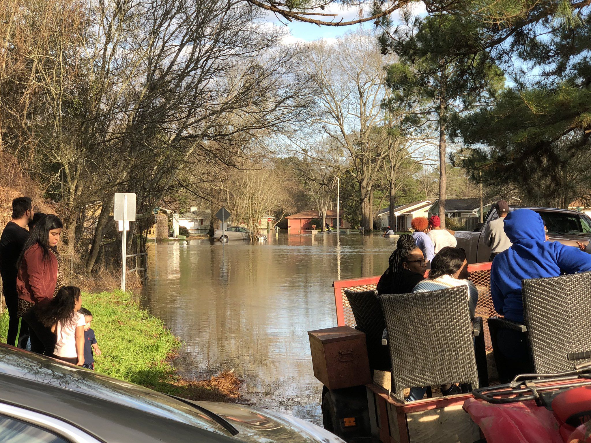 Mississippi flooding: Evacuations under way as Pearl River swells - Axios