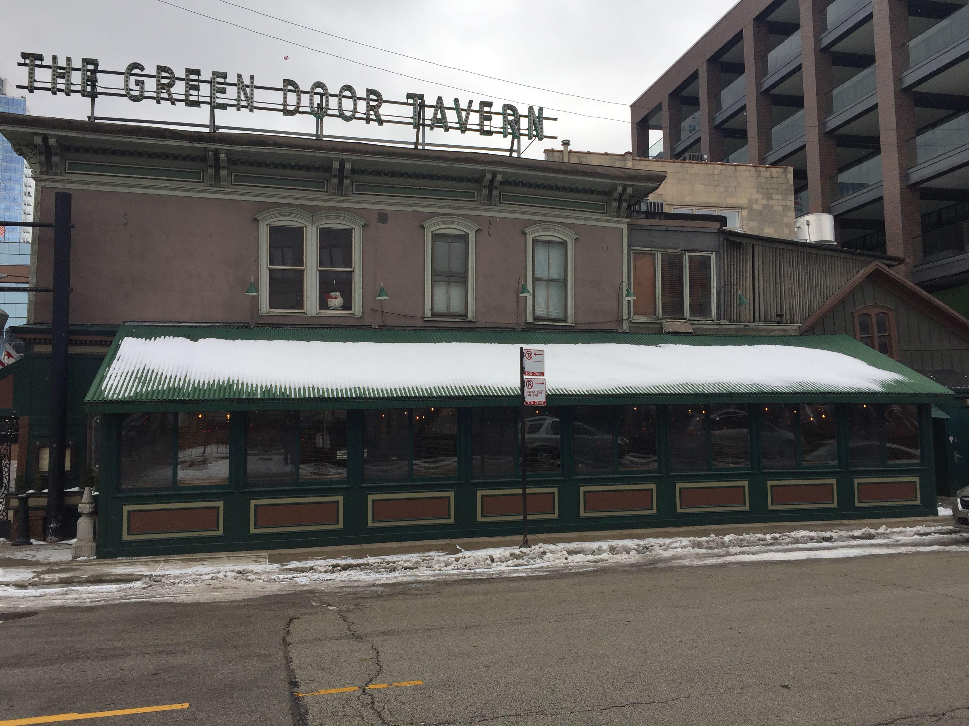 The Green Door Tavern in Chicago.