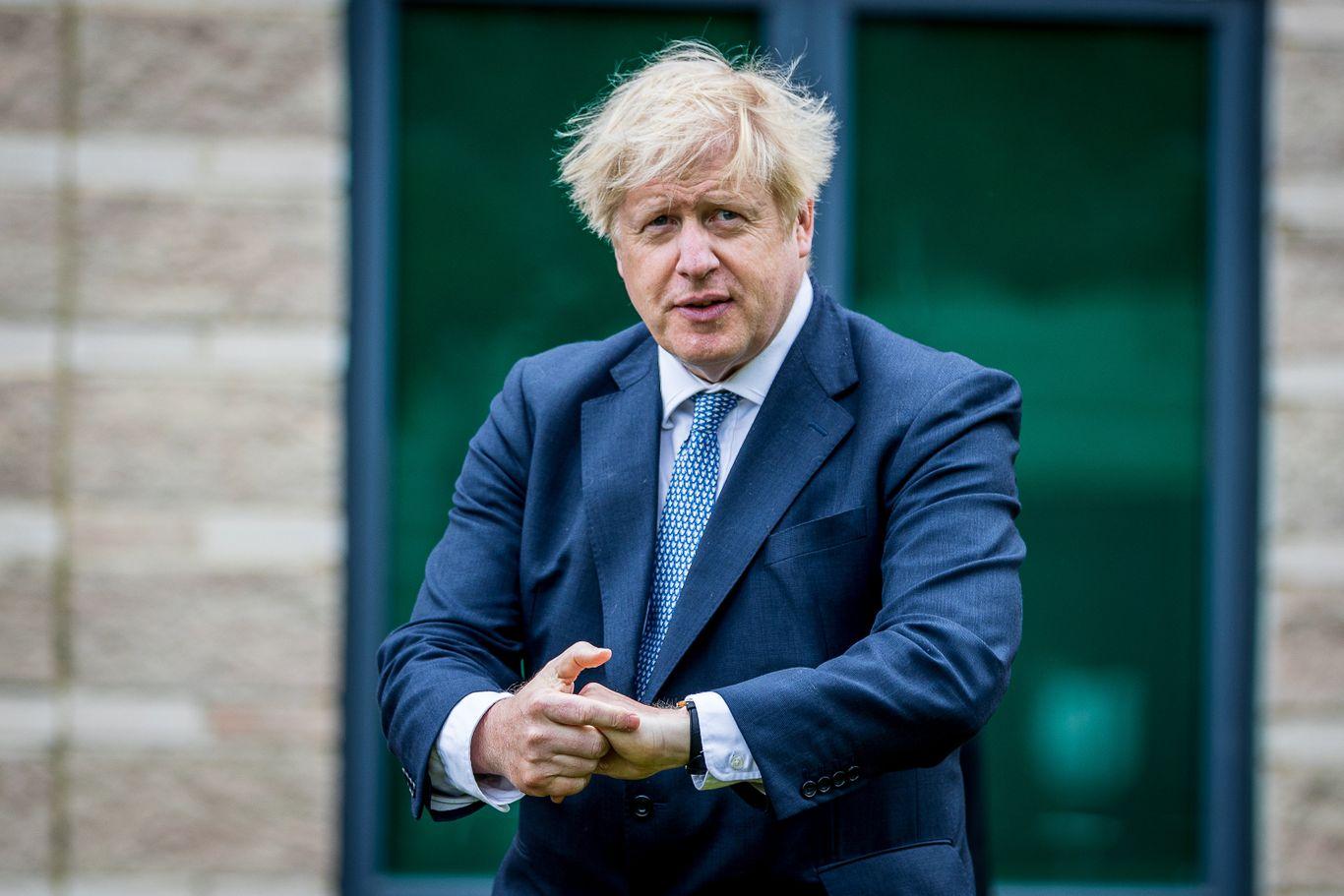 Boris Johnson pauses England's coronavirus reopening thumbnail