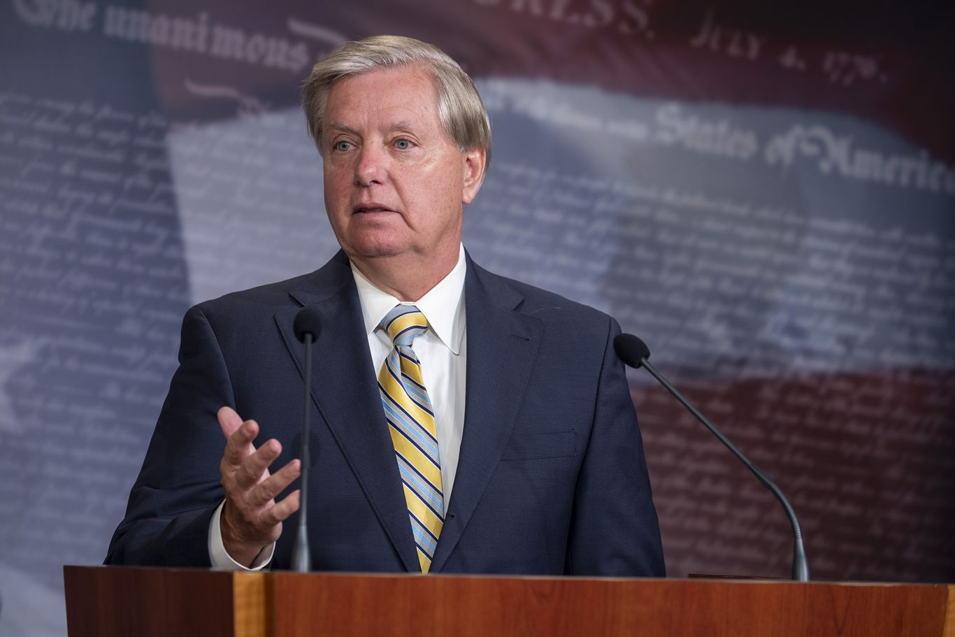 Lindsey Graham says he'll ask Robert Mueller to testify earlier than Senate Judiciary Committee thumbnail