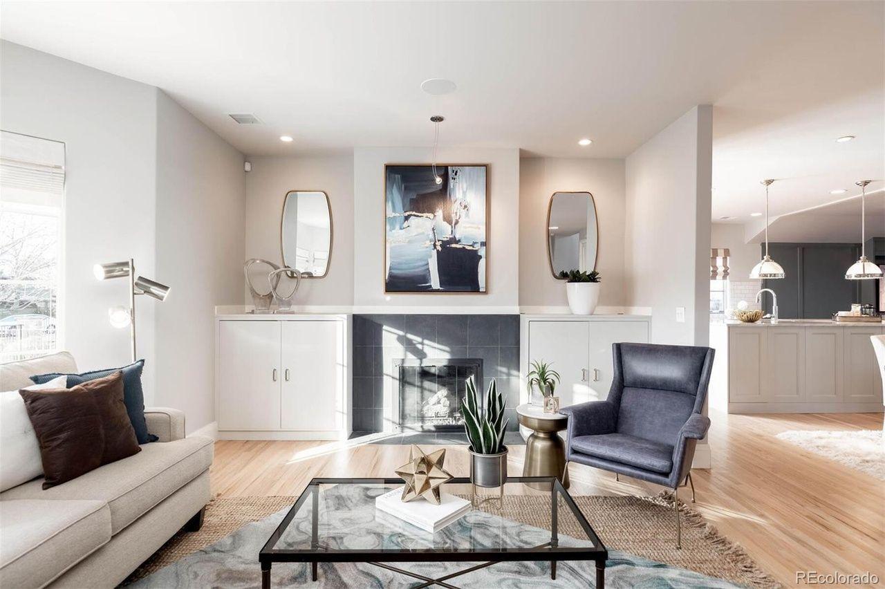 220 S. Cherry St.  living room