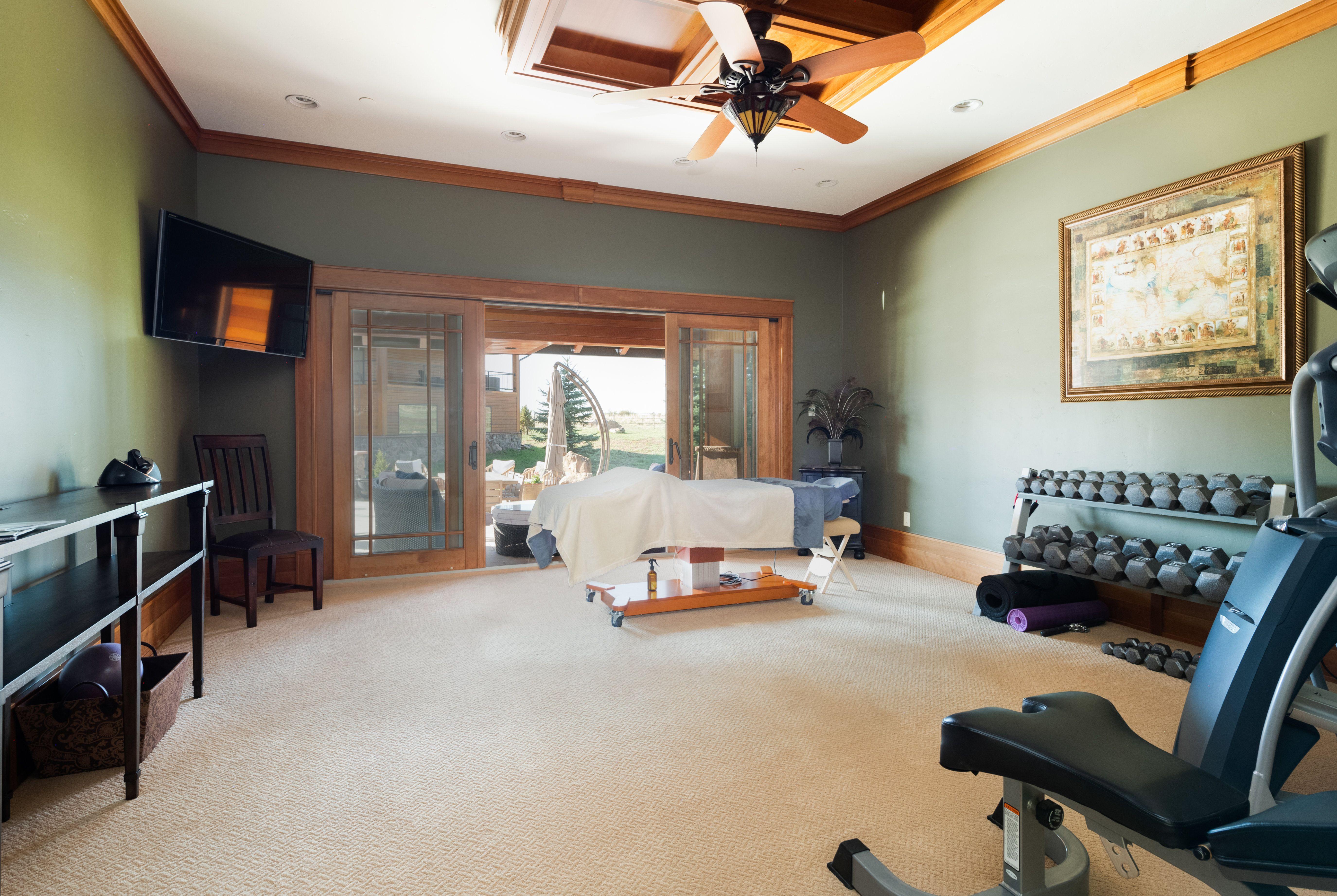 Colorado Mountain house on 35 acres asks $7M gym