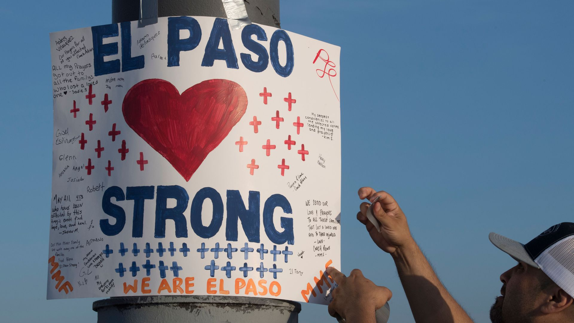 A sign that says El Paso strong