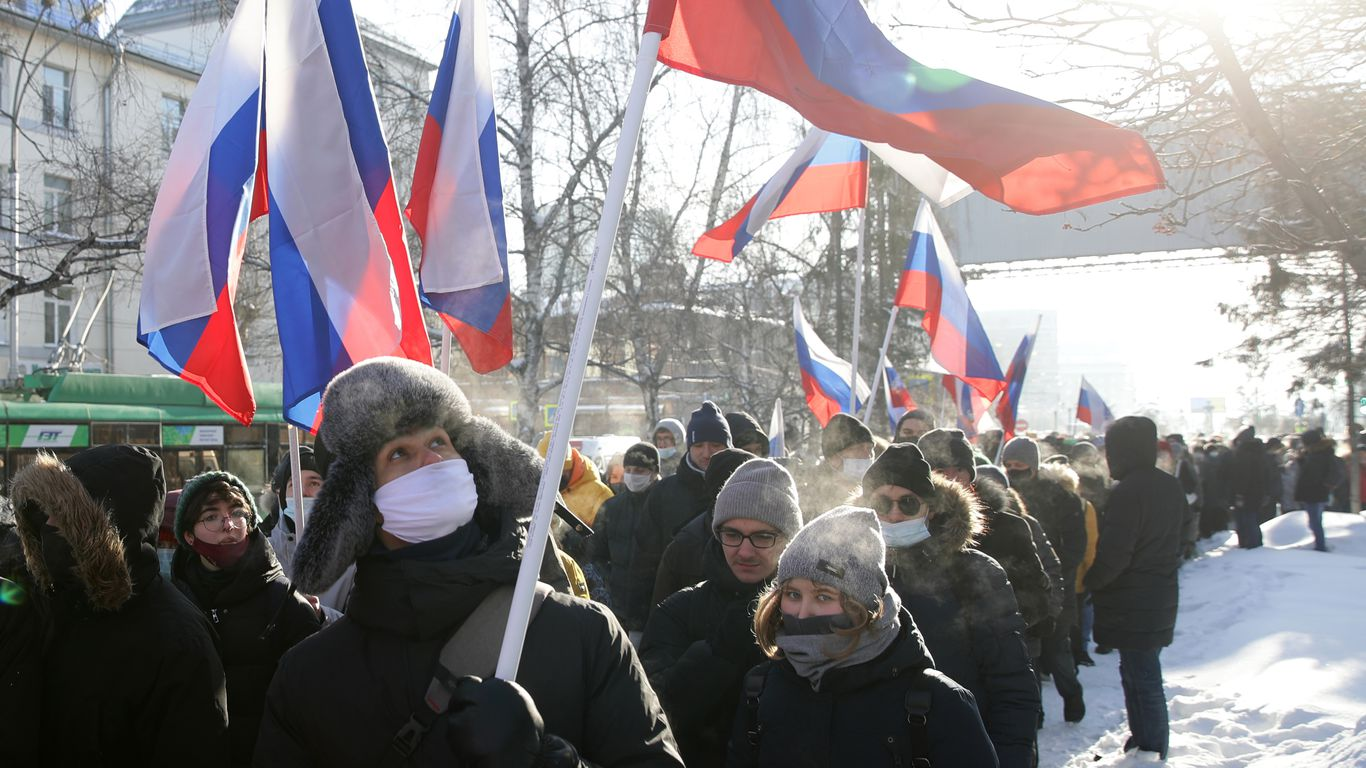 In photos: Protesters across Russia brave freezing temperatures and police thumbnail