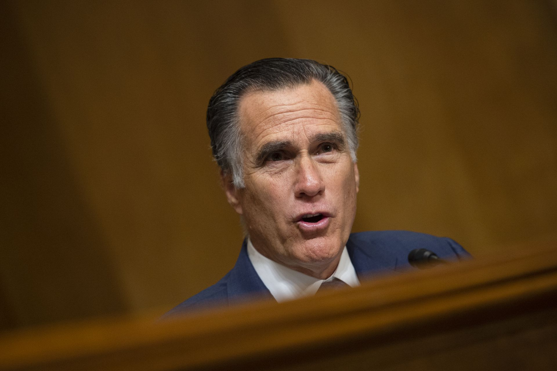 Romney says he has seen no evidence Ukraine interfered in 2016