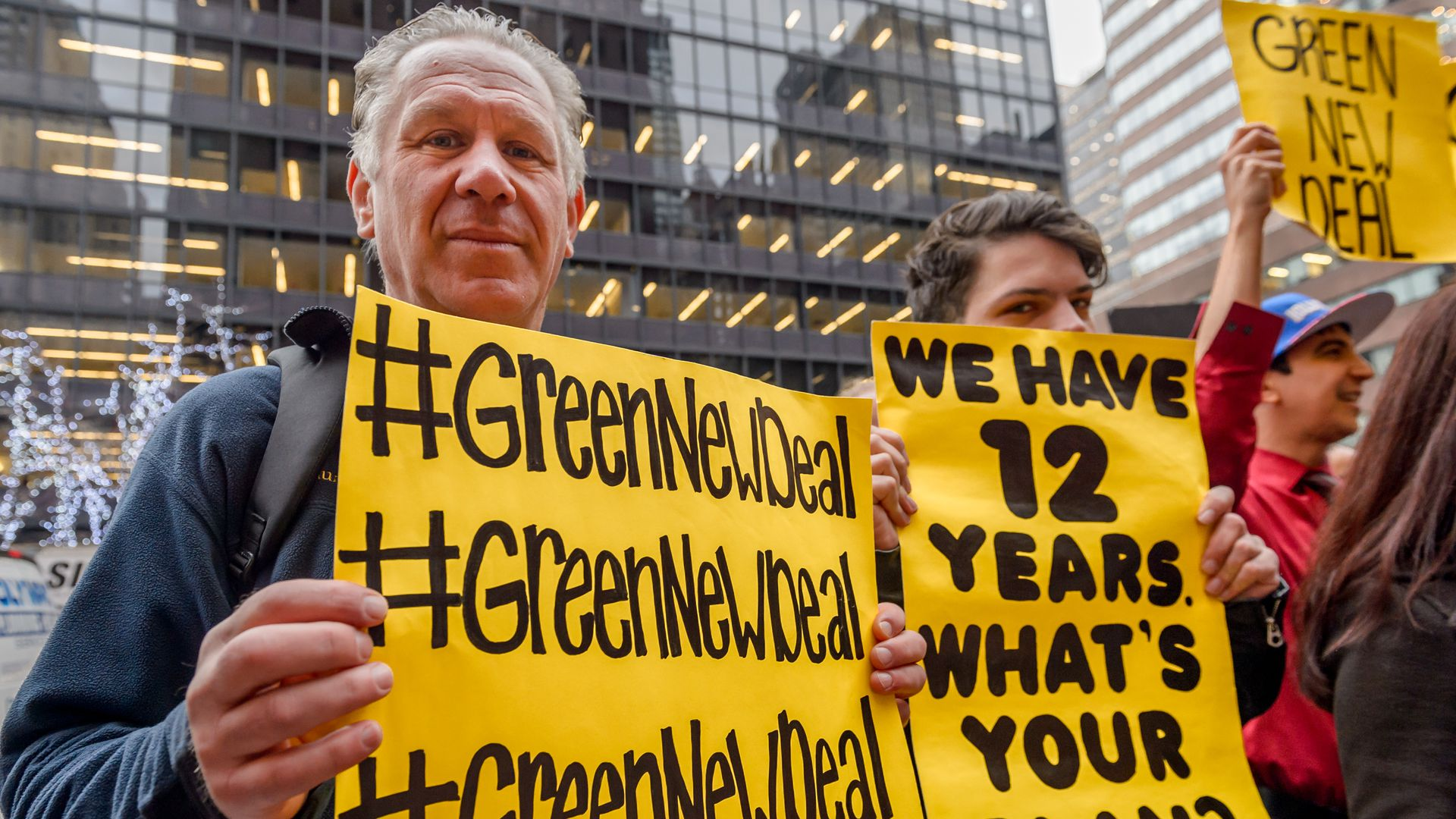 Green New Deal picketers
