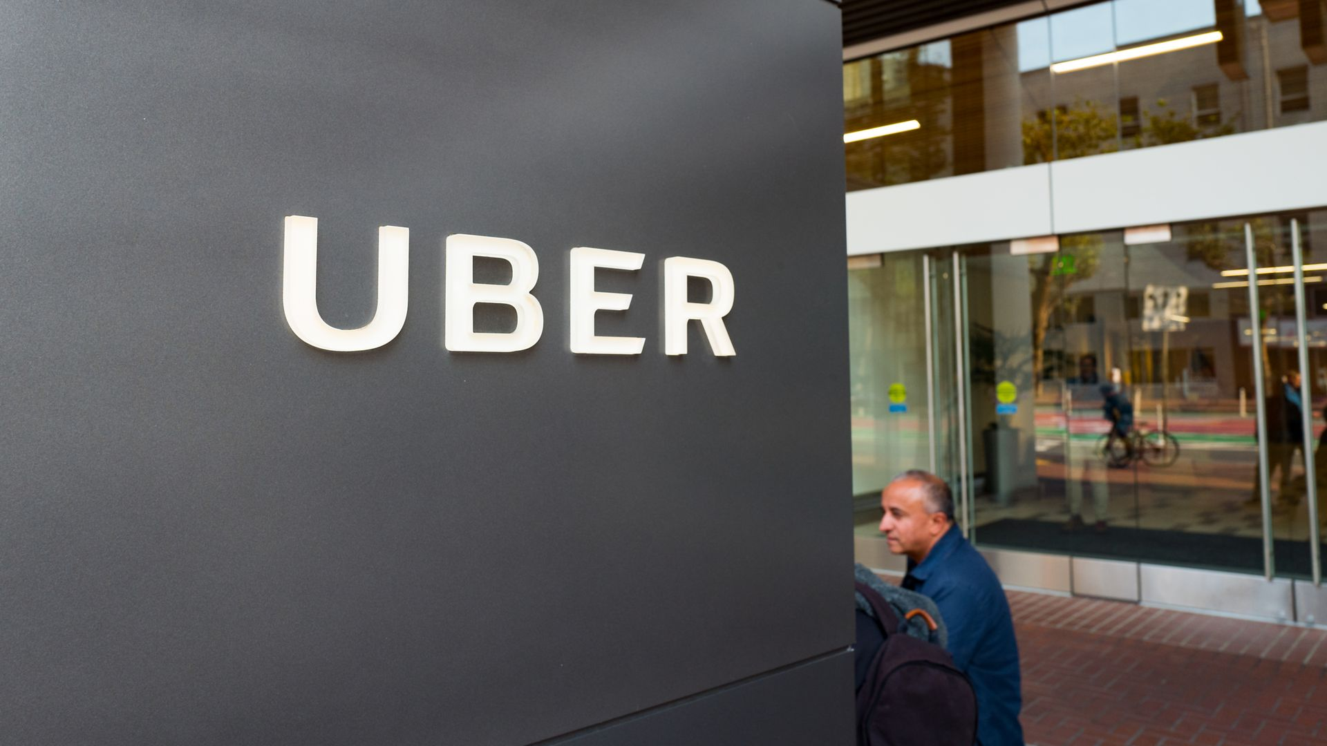 5d99fe095d Uber settles lawsuit with current and former employees over gender ...