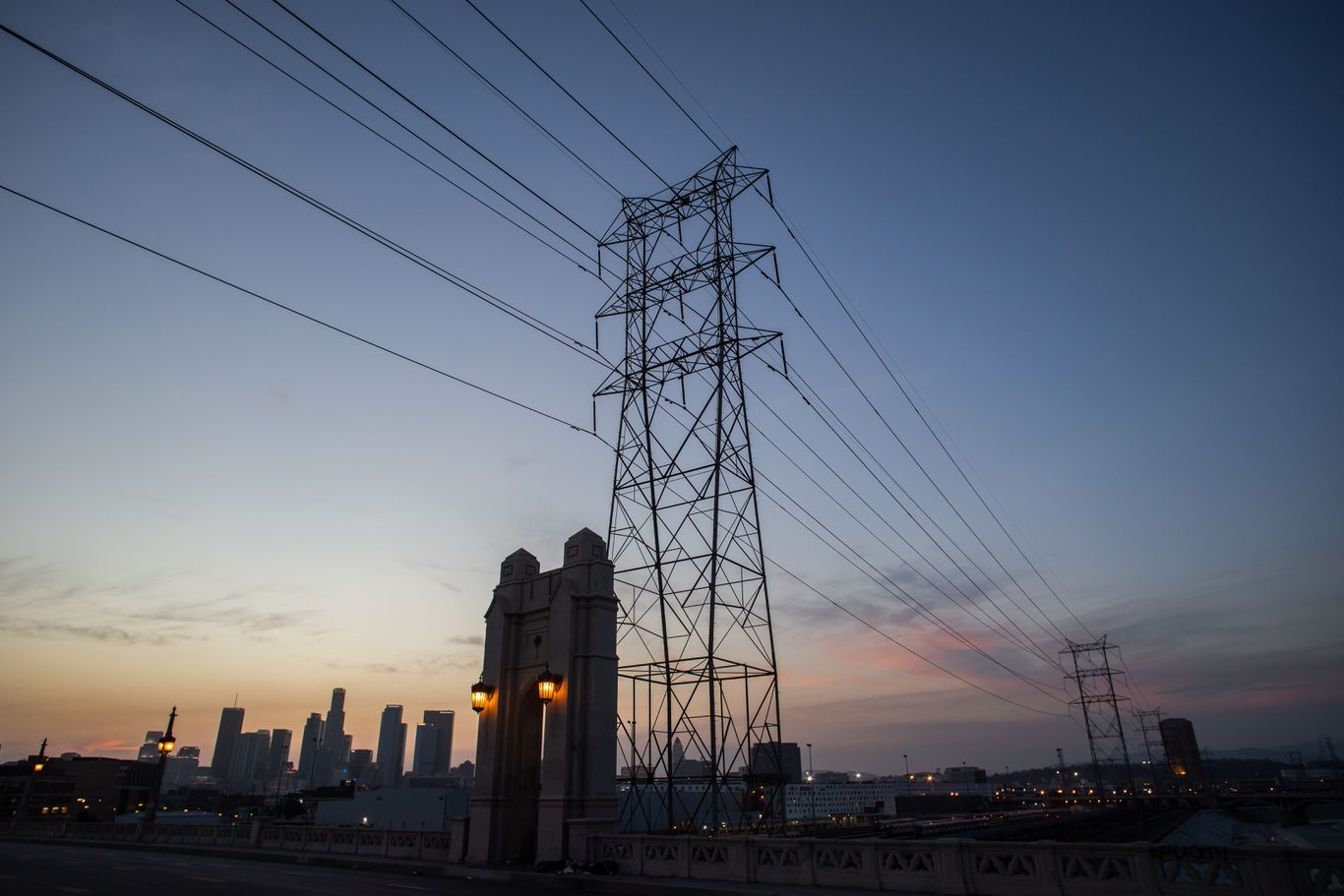 Over 300,000 Californians affected by PG&E blackouts