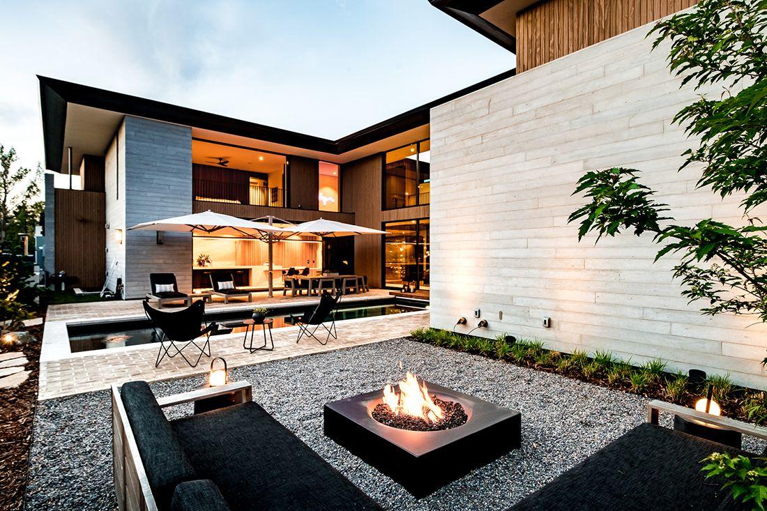 2610 East Cedar Ave outdoor living