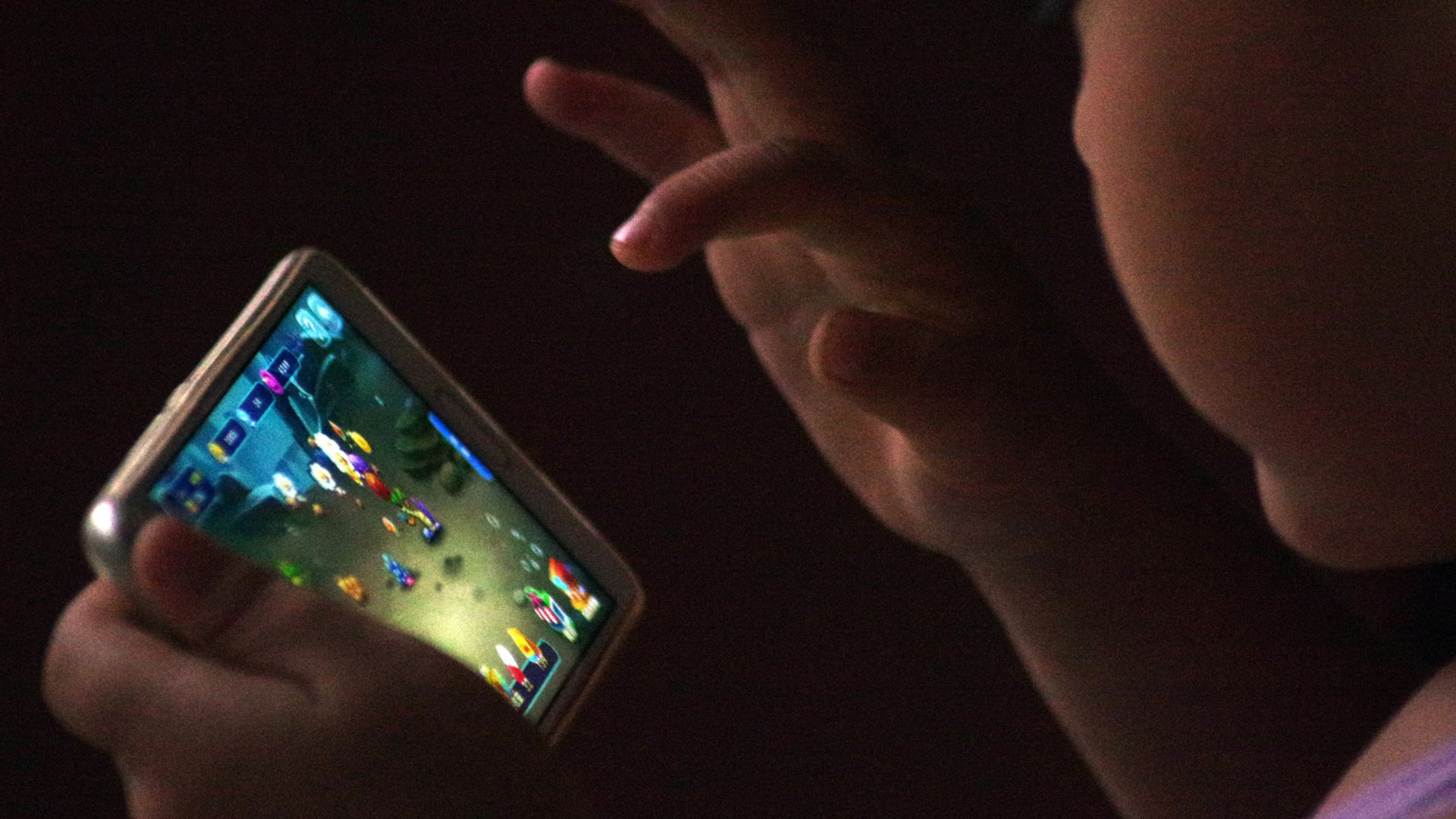 First data from massive NIH study shows effects of screen time on kids