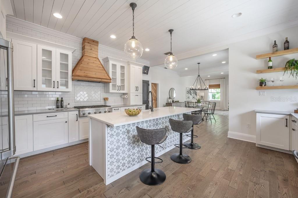 2412 W. Prospect Road kitchen