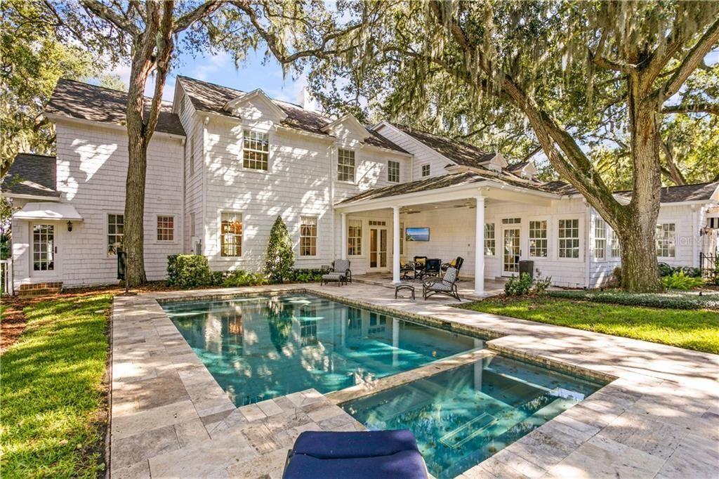 4707 Bayshore Blvd. backyard with pool and hot tub