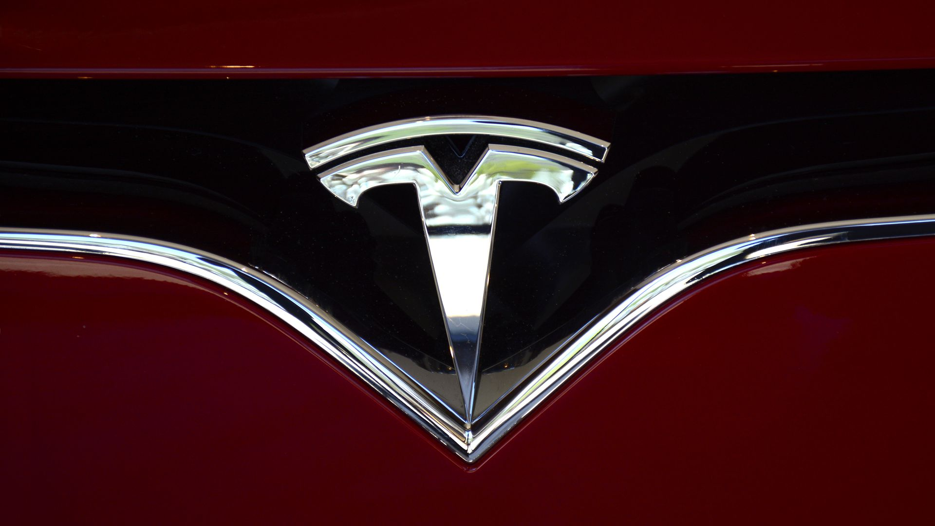 Key Tesla Engineer Won T Return To Company Axios