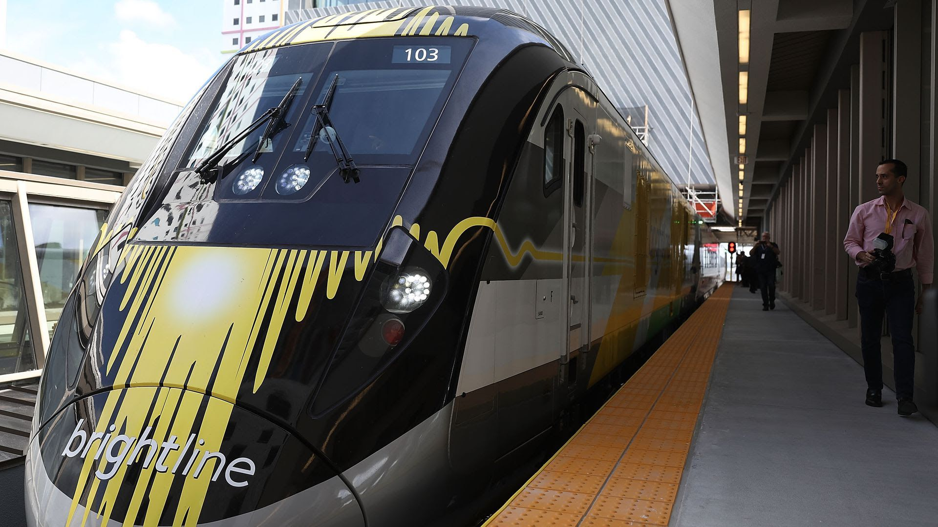 Private equity tycoon seeks public-private model for new Florida transit system thumbnail