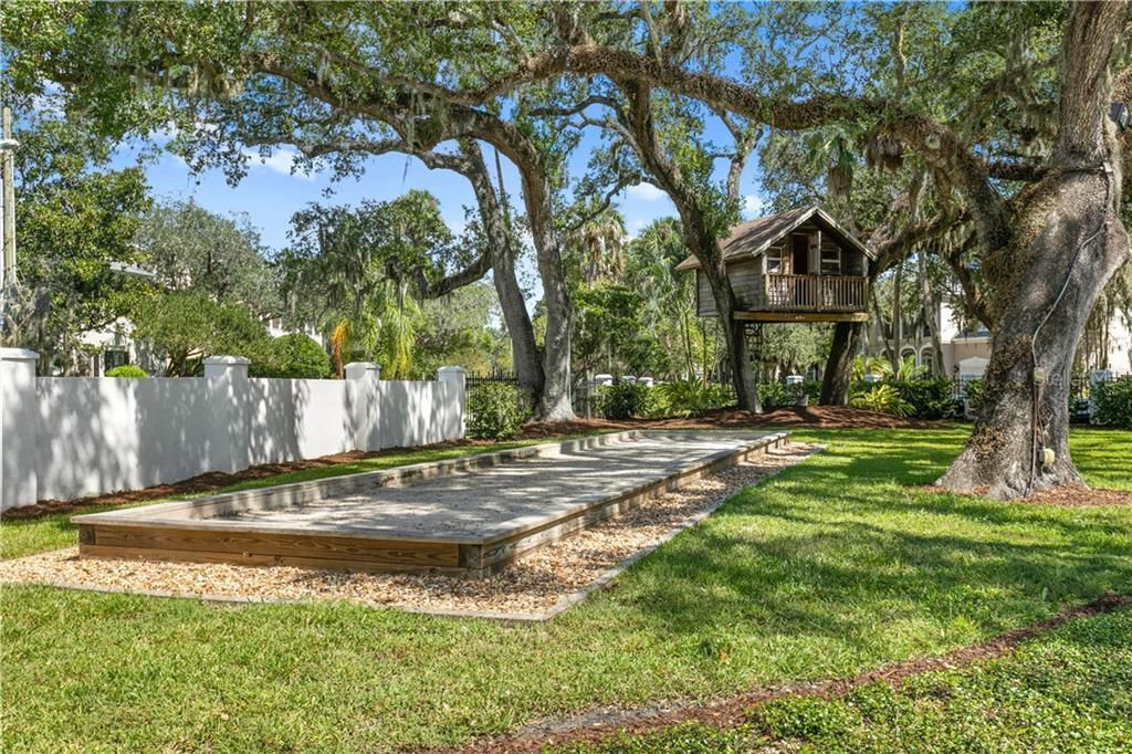823 S Bayside Dr bocce ball court