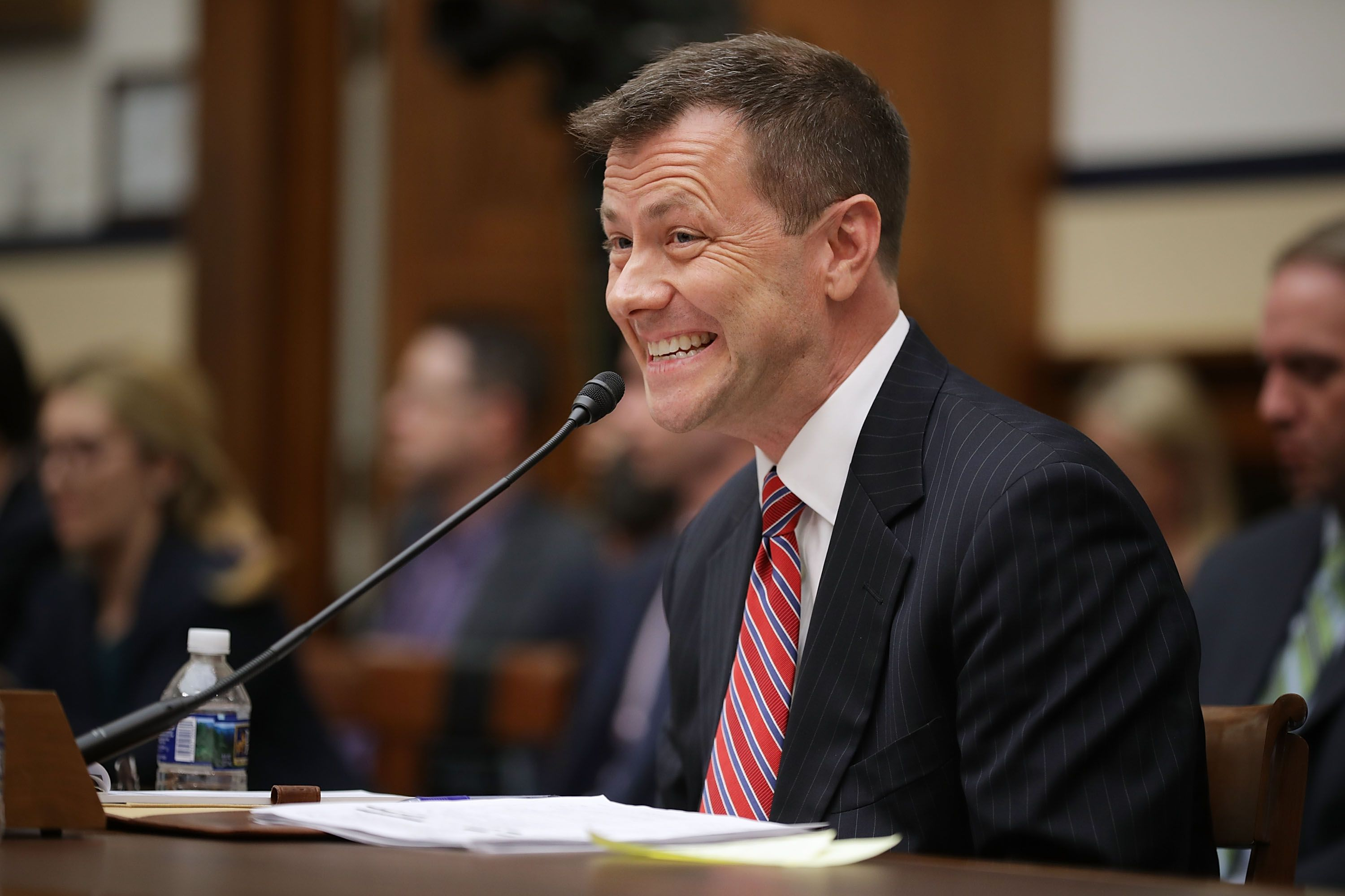 DOJ investigation reveals thousands of missing texts between Peter Strzok and Lisa Page - Axios