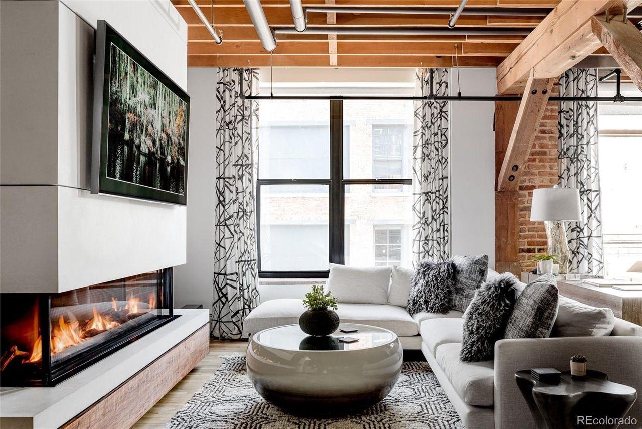 1720 Wynkoop St. #316 living room