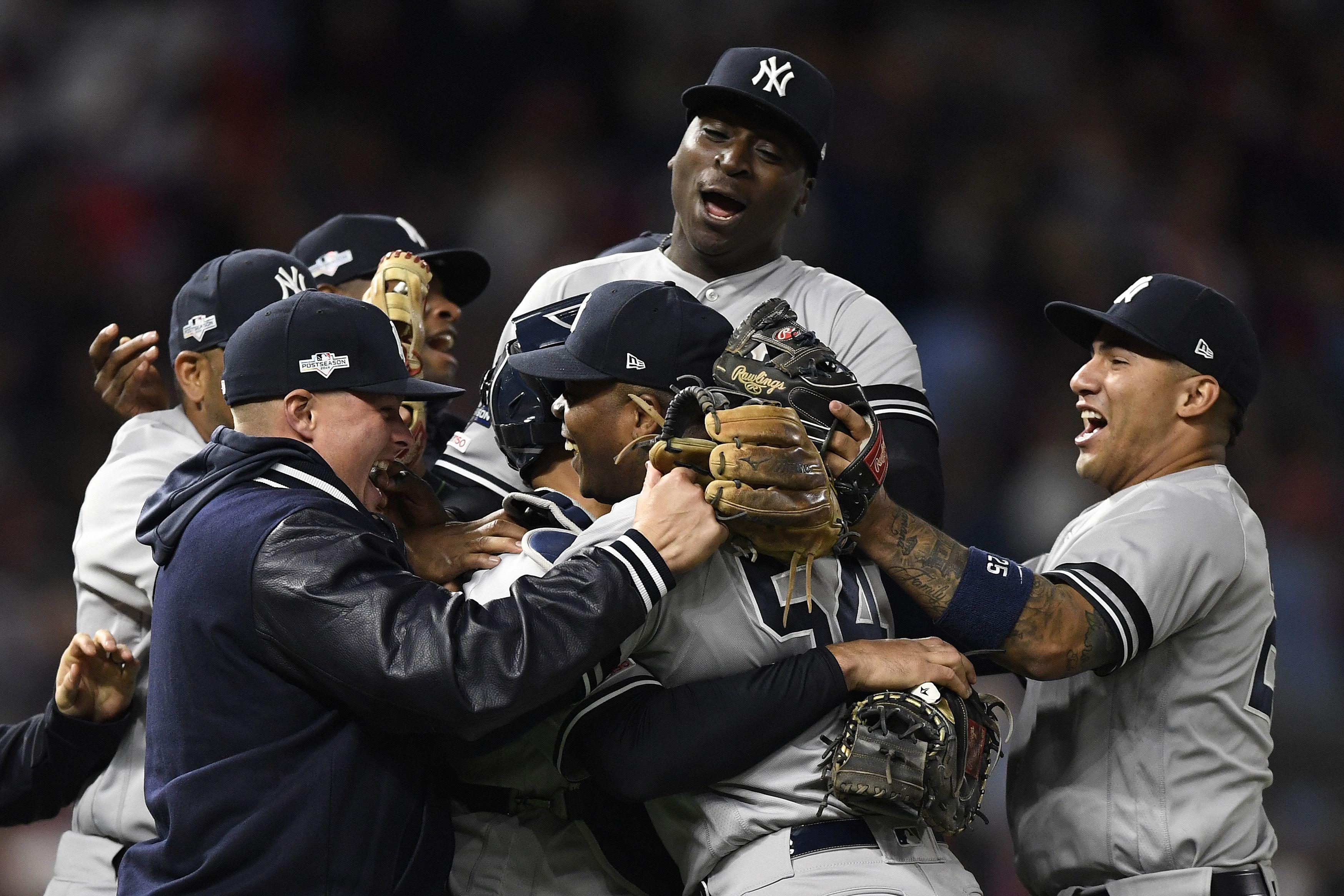 Yankees celebrating