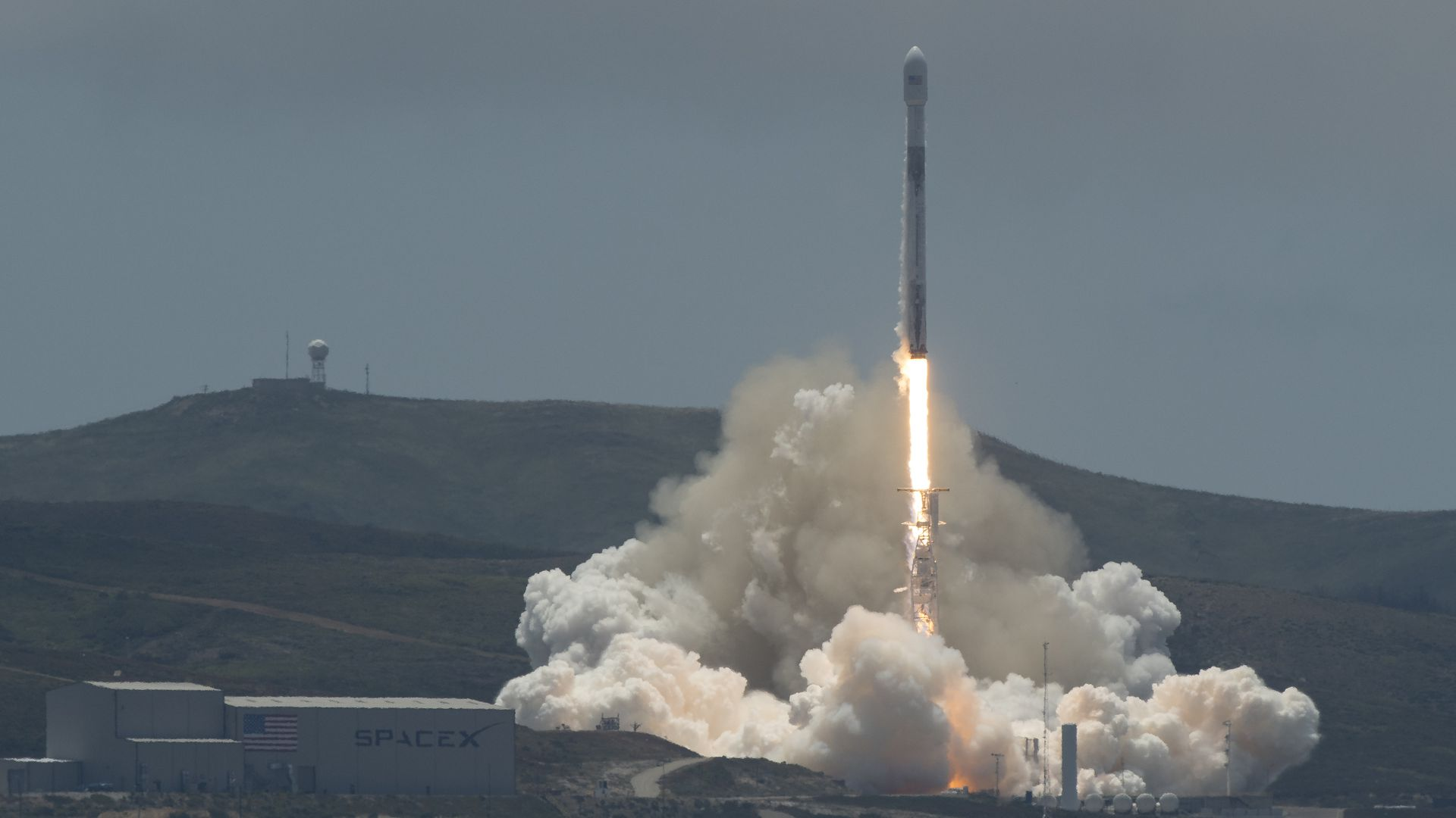 A SpaceX Falcon 9 rocket launches NASA's GRACE Follow-on mission that will keep track of groundwater and ice melt.