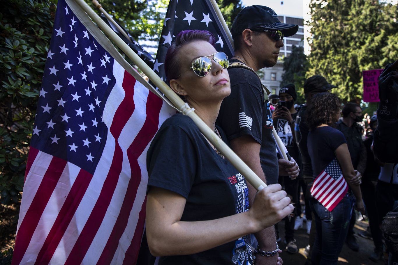 Violence in Portland after far-right groups rally thumbnail