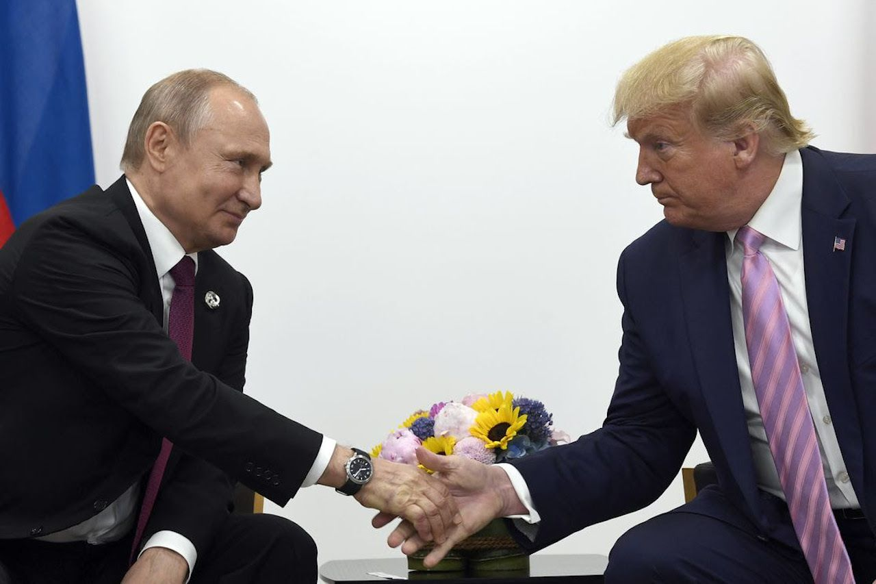 House warned of Russian effort to re-elect Trump - Axios