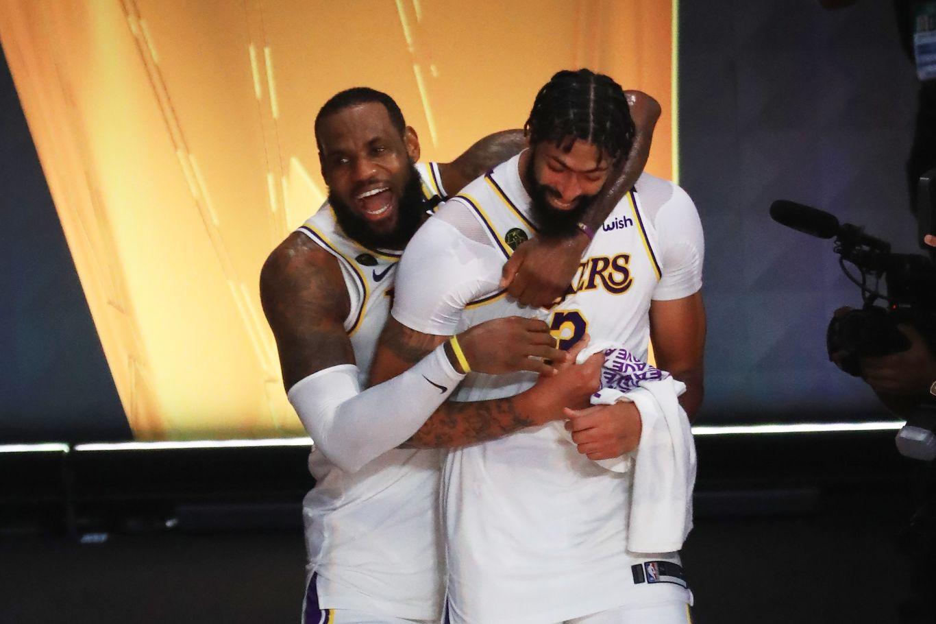 Los Angeles Lakers win 17th NBA title thumbnail