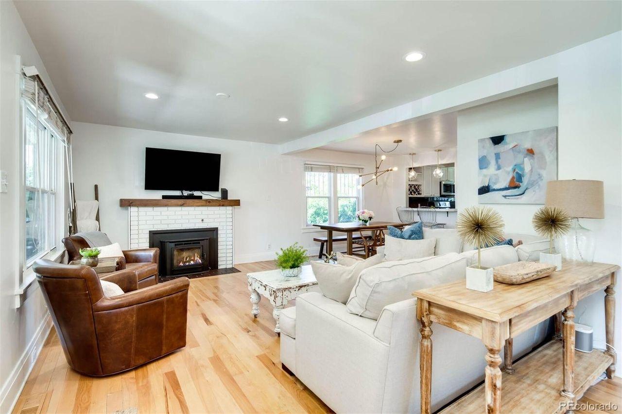 2174 S. Ogden St. living room