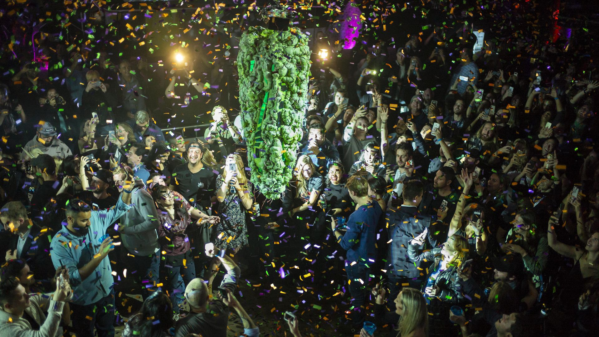 Canadians celebrate marijuana legalization