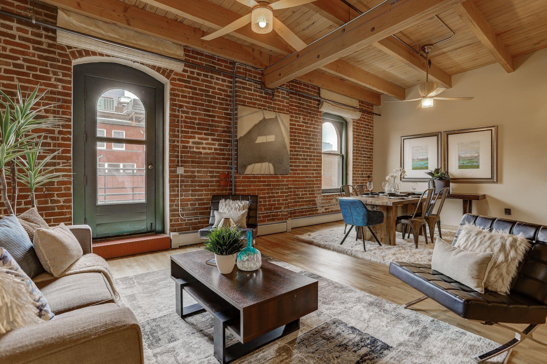 1792 Wynkoop Street, #502 living room