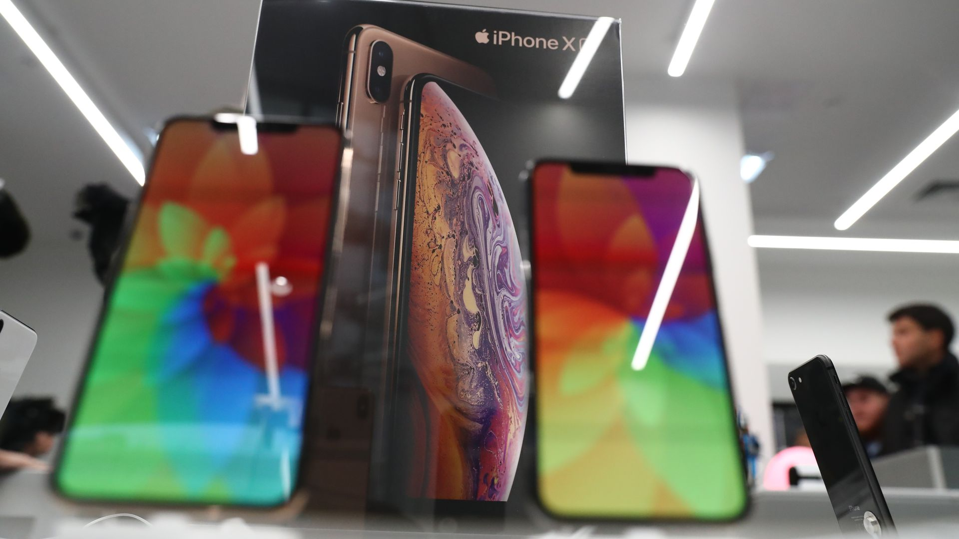 iphone xs on display