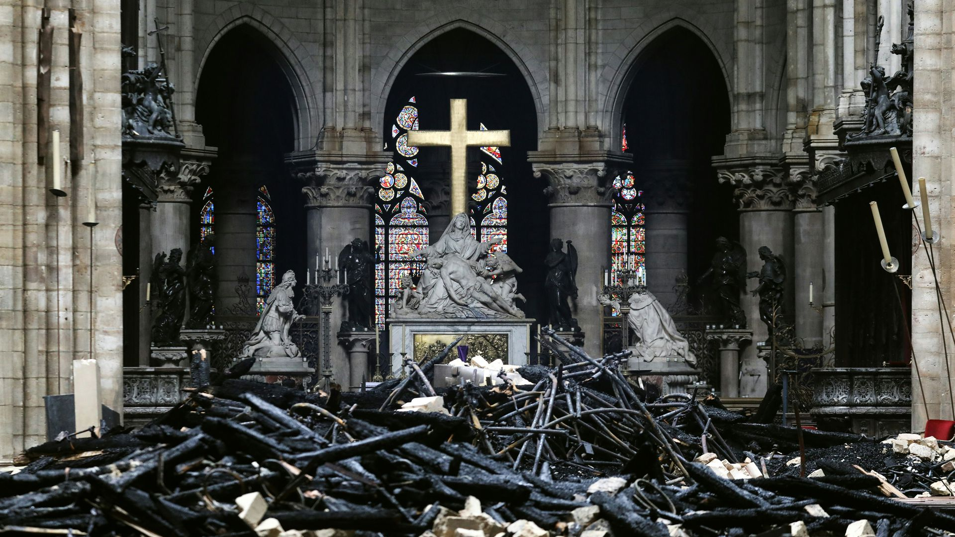 Photo inside Notre Dame