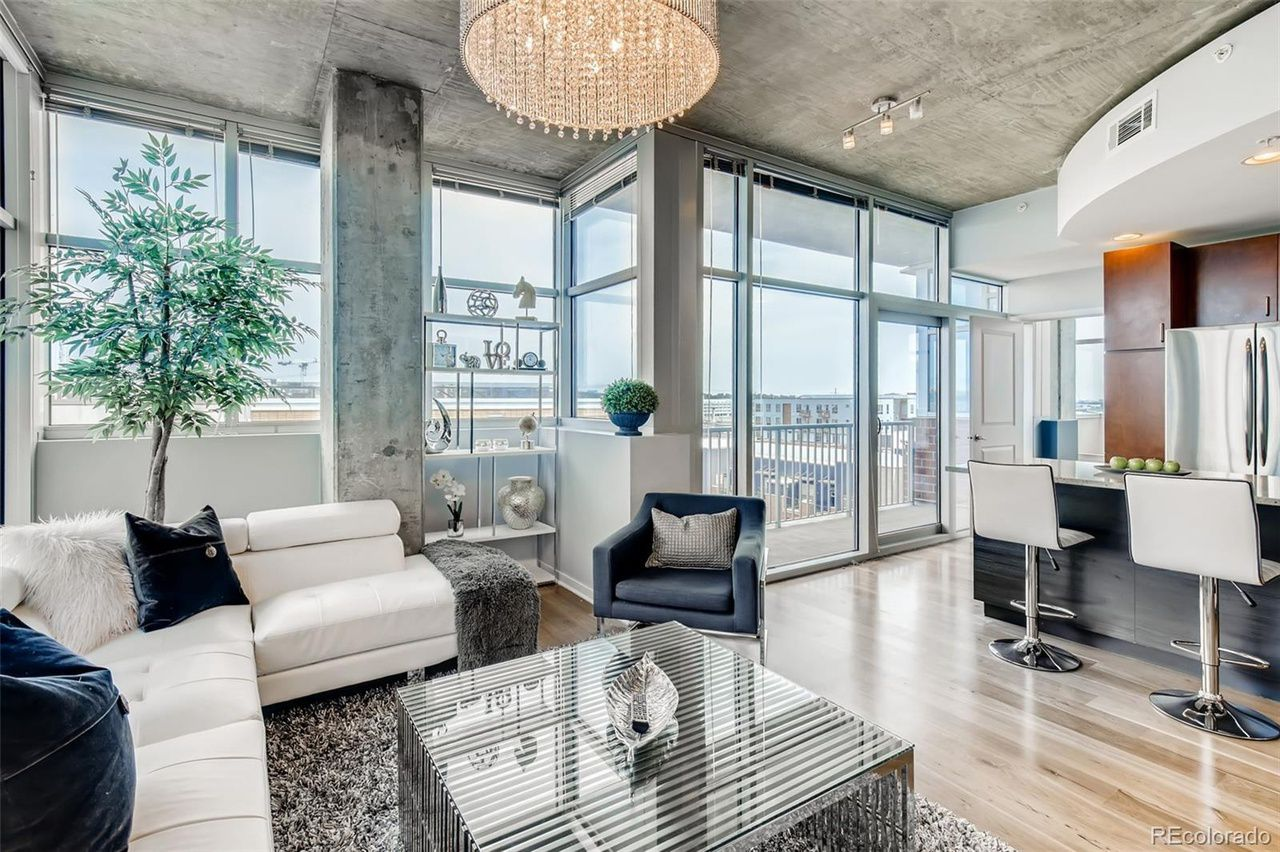 1700 Bassett St. #814 interior living room