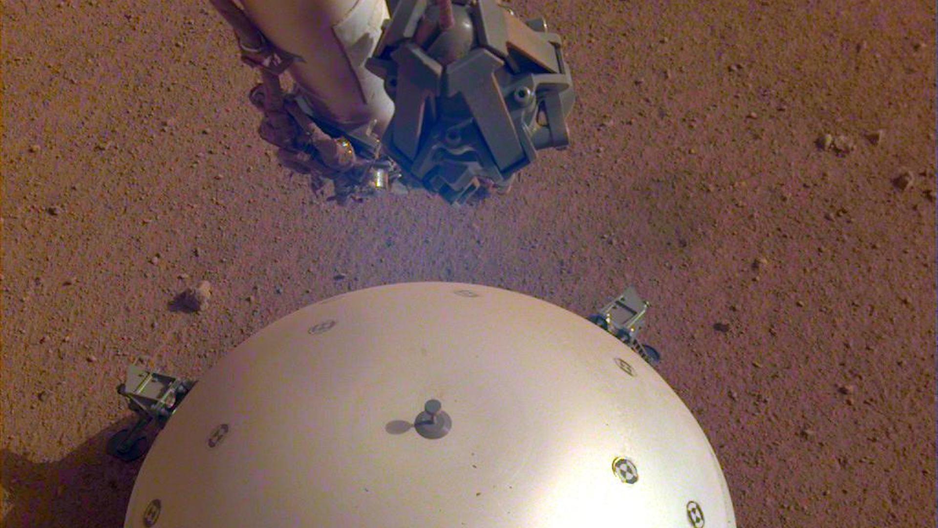 "NASA's InSight lander detects its first ""Marsquake"""